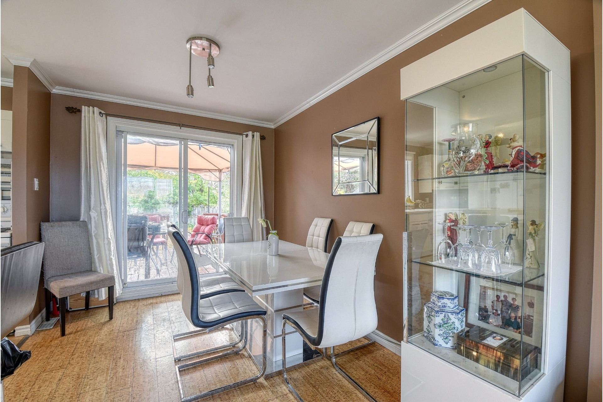 image 5 - House For sale Pincourt - 12 rooms
