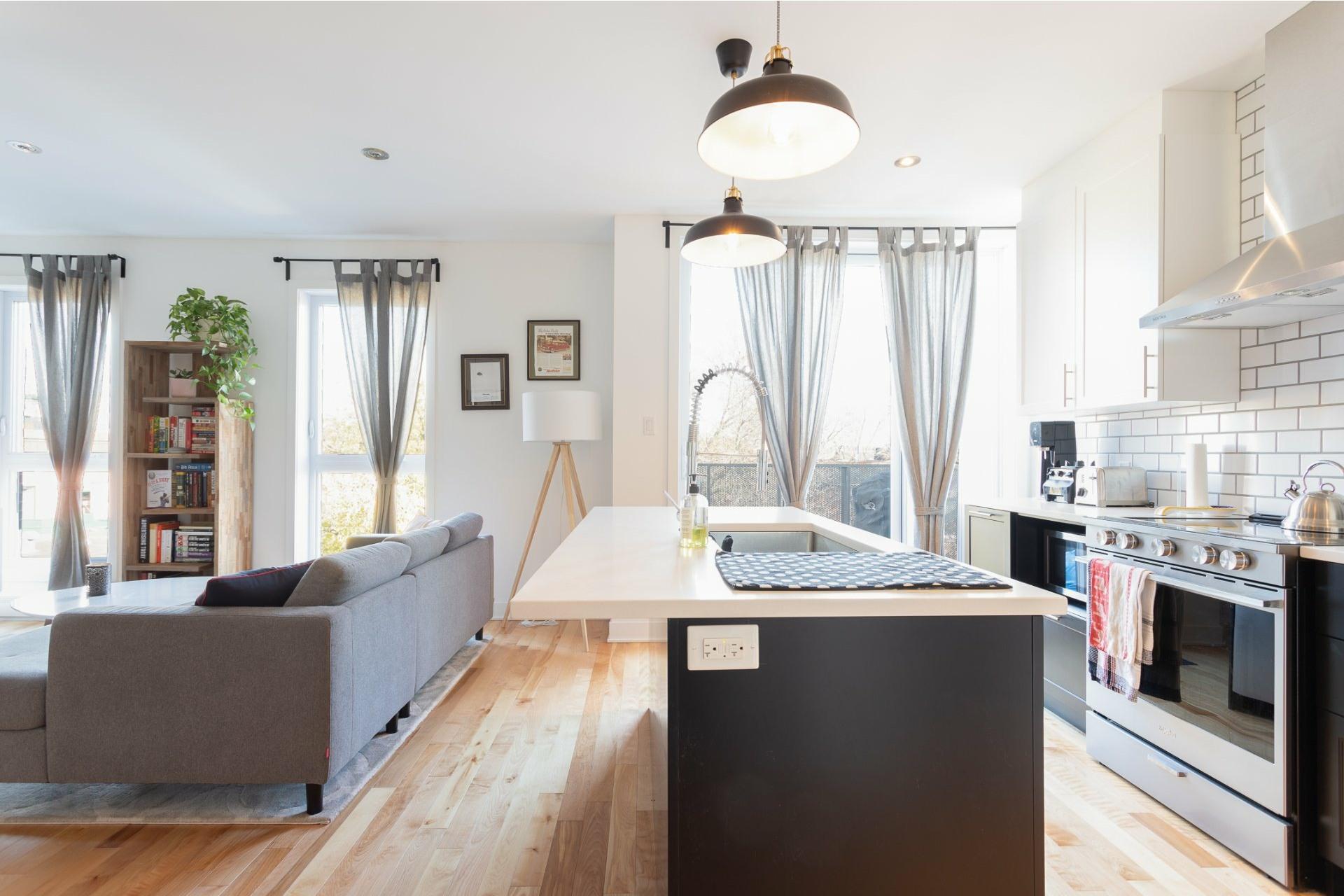image 4 - Appartement À vendre Villeray/Saint-Michel/Parc-Extension Montréal  - 5 pièces