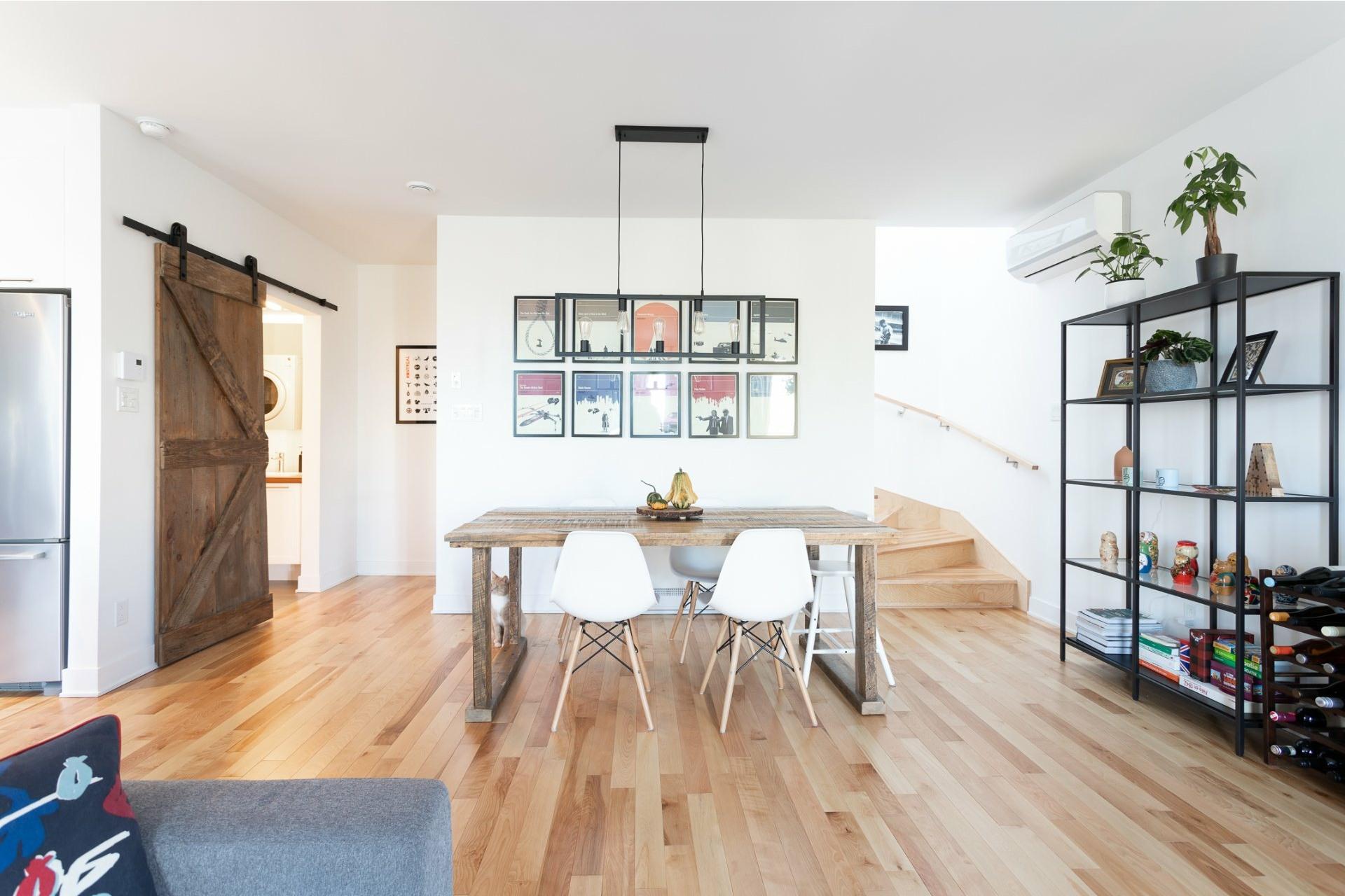 image 0 - Appartement À vendre Villeray/Saint-Michel/Parc-Extension Montréal  - 5 pièces