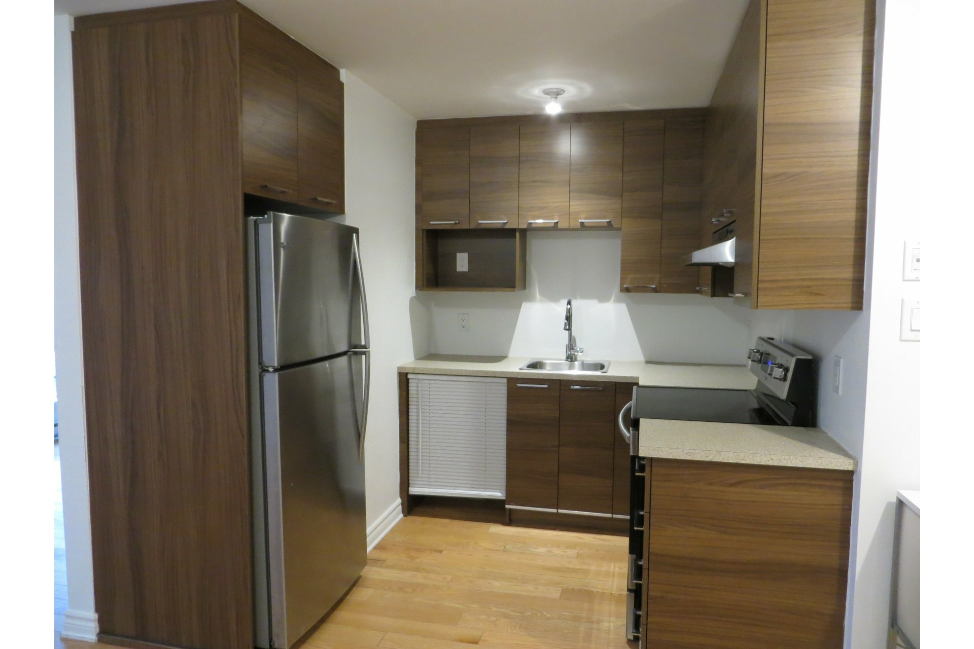 image 10 - Apartment For rent Laval-des-Rapides Laval  - 5 rooms