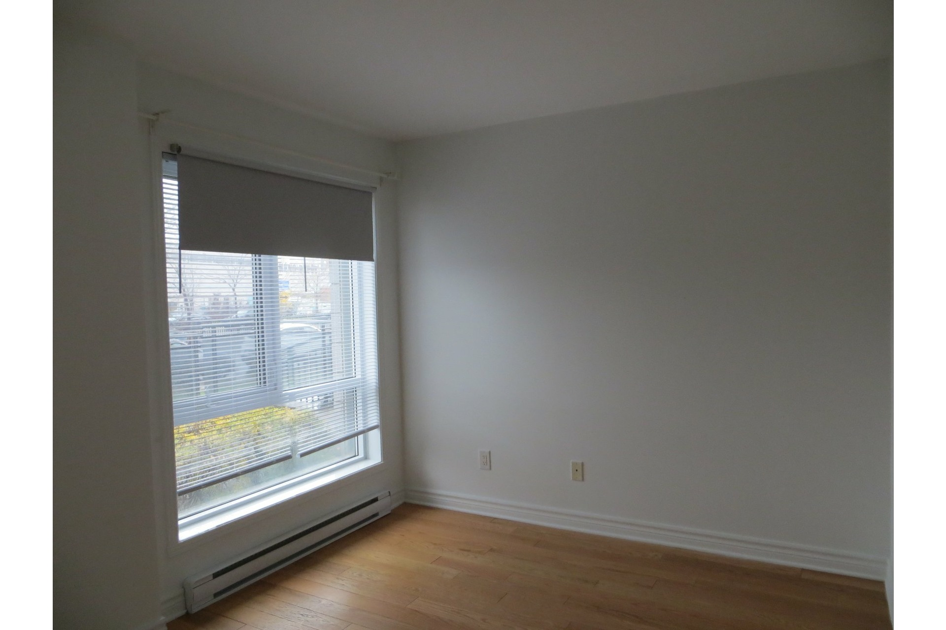 image 16 - Apartment For rent Laval-des-Rapides Laval  - 5 rooms