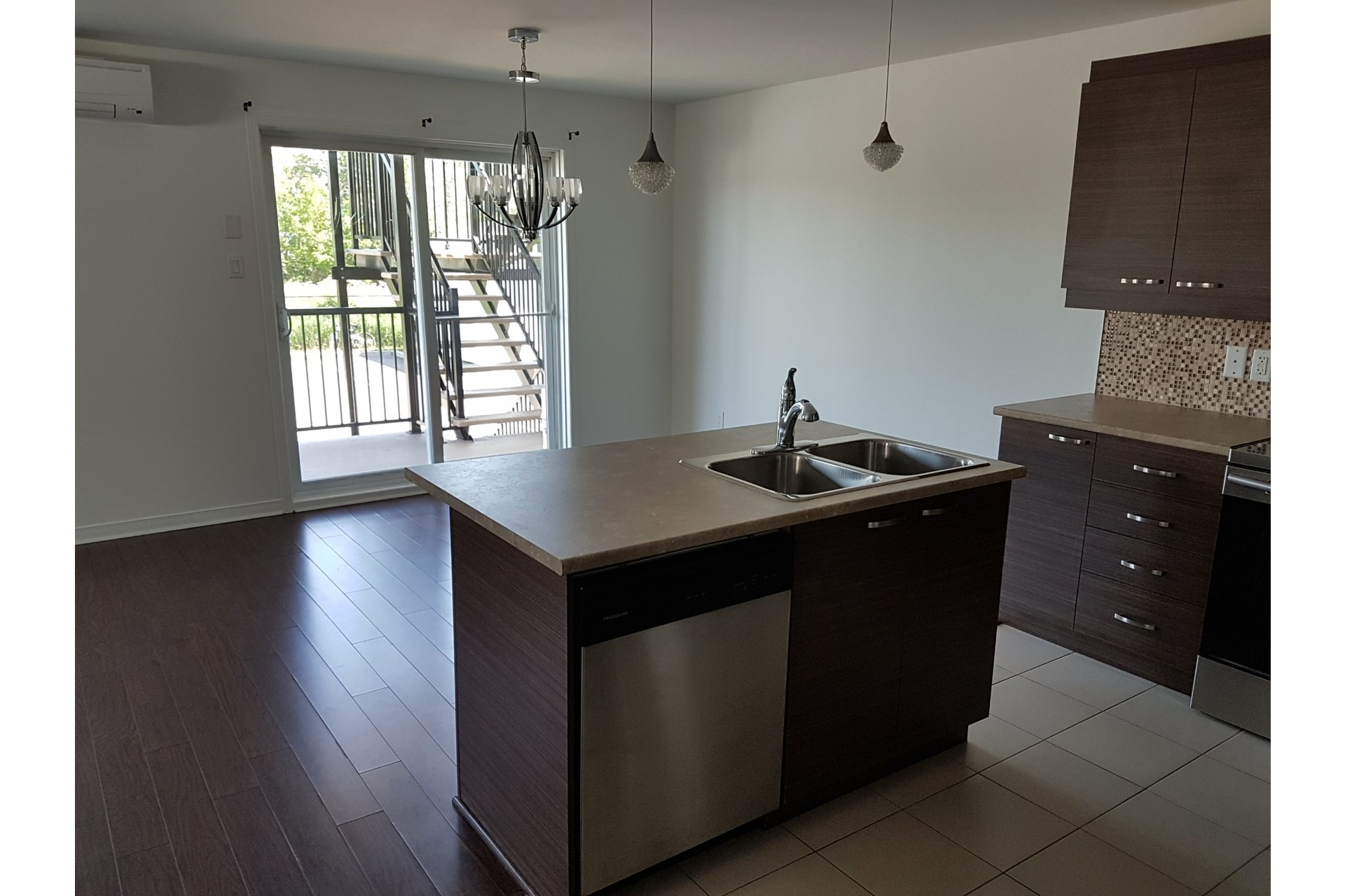 image 4 - Apartment For sale Vaudreuil-Dorion - 6 rooms
