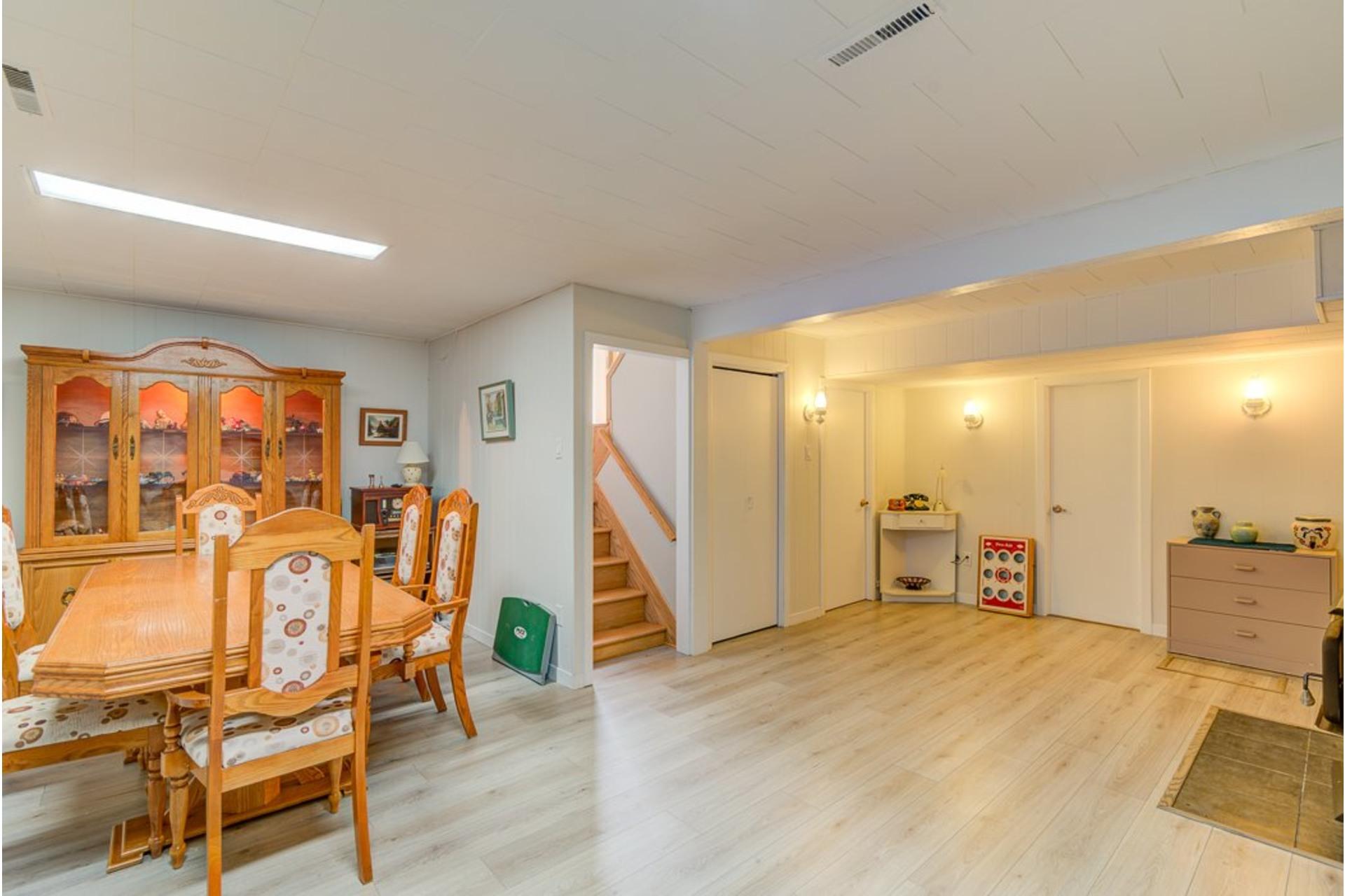 image 30 - Maison À vendre Sainte-Anne-des-Plaines - 12 pièces