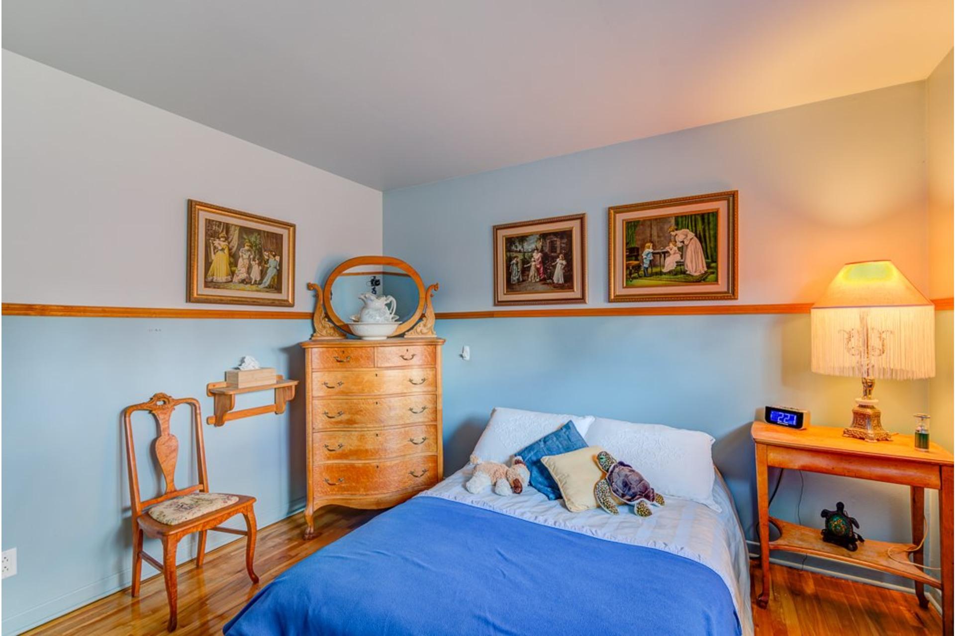 image 15 - Maison À vendre Sainte-Anne-des-Plaines - 12 pièces