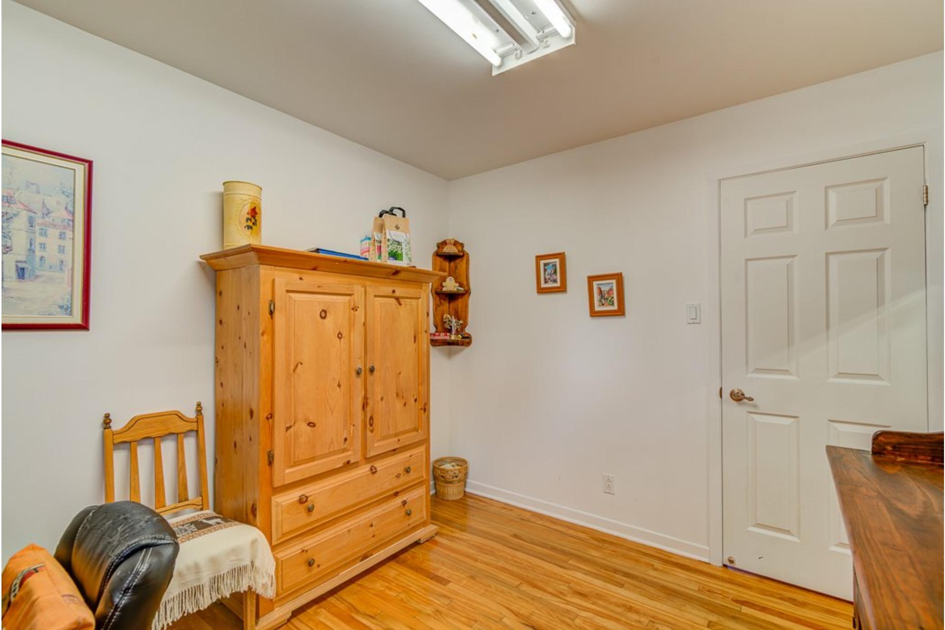 image 19 - Maison À vendre Sainte-Anne-des-Plaines - 12 pièces