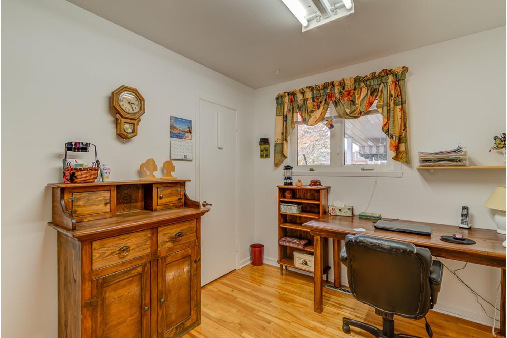 image 18 - Maison À vendre Sainte-Anne-des-Plaines - 12 pièces