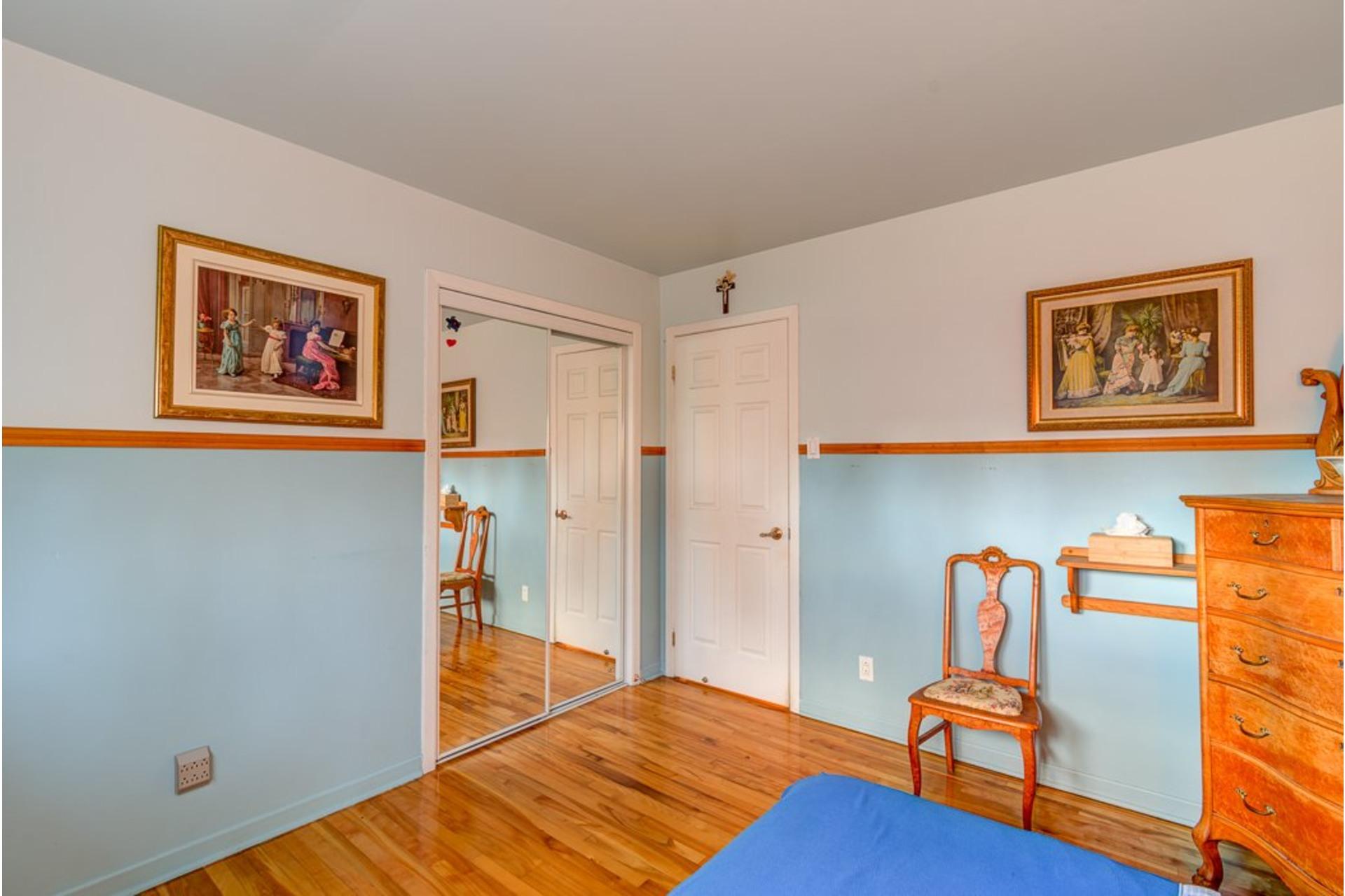 image 16 - Maison À vendre Sainte-Anne-des-Plaines - 12 pièces