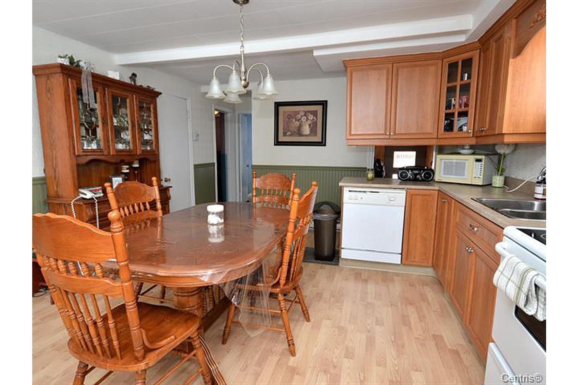 image 6 - House For sale Trois-Rivières - 8 rooms