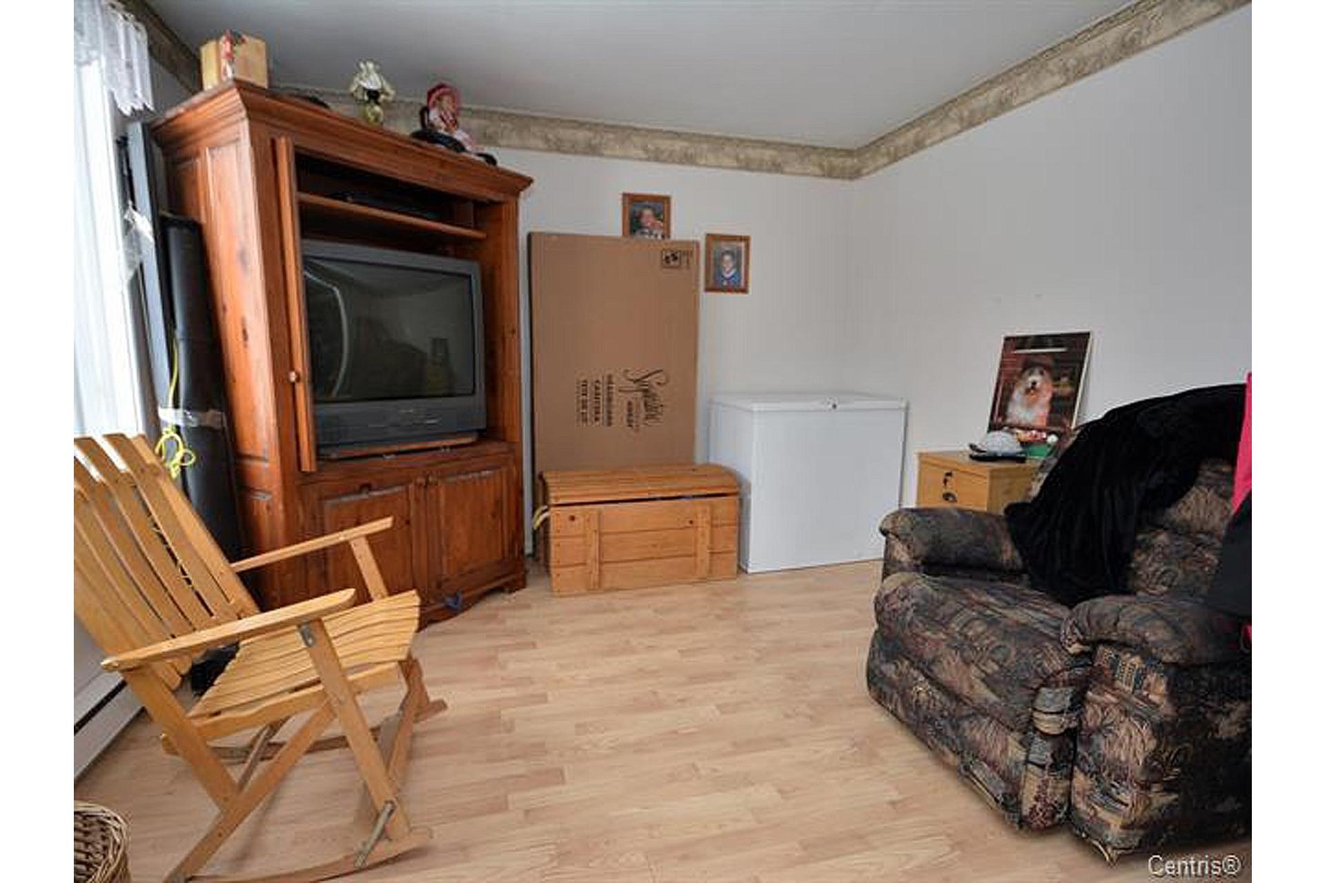 image 3 - House For sale Trois-Rivières - 8 rooms