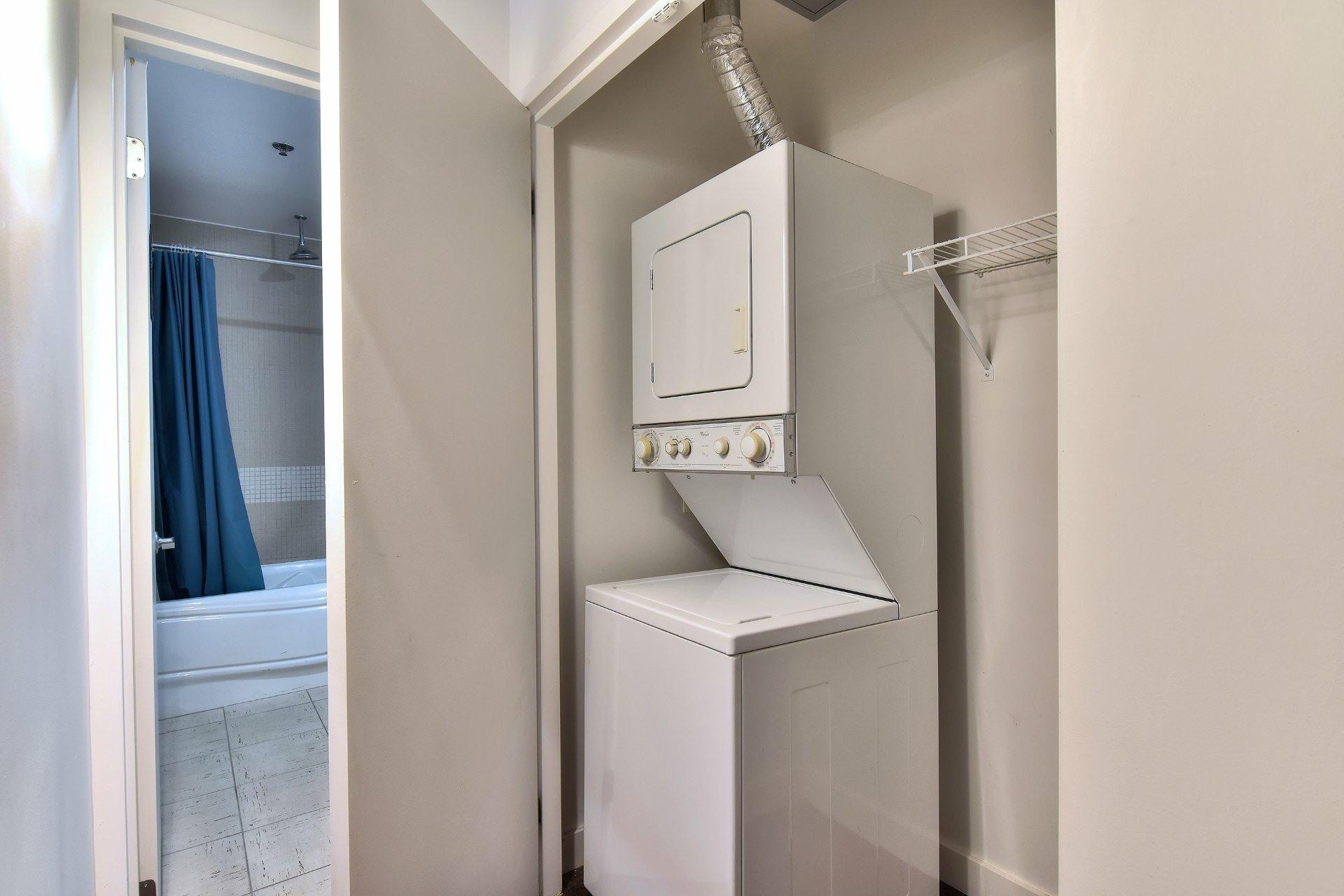 image 12 - Apartment For sale Ville-Marie Montréal  - 4 rooms