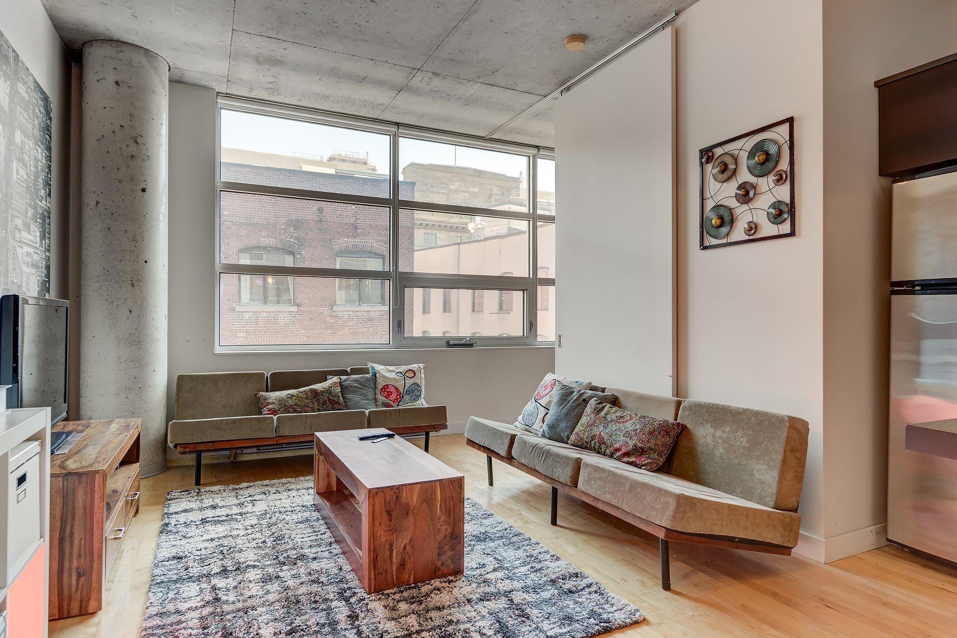 image 2 - Apartment For rent Ville-Marie Montréal  - 3 rooms