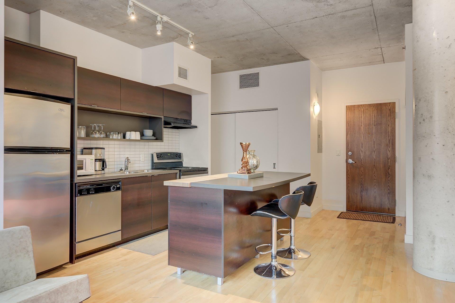 image 4 - Apartment For rent Ville-Marie Montréal  - 3 rooms