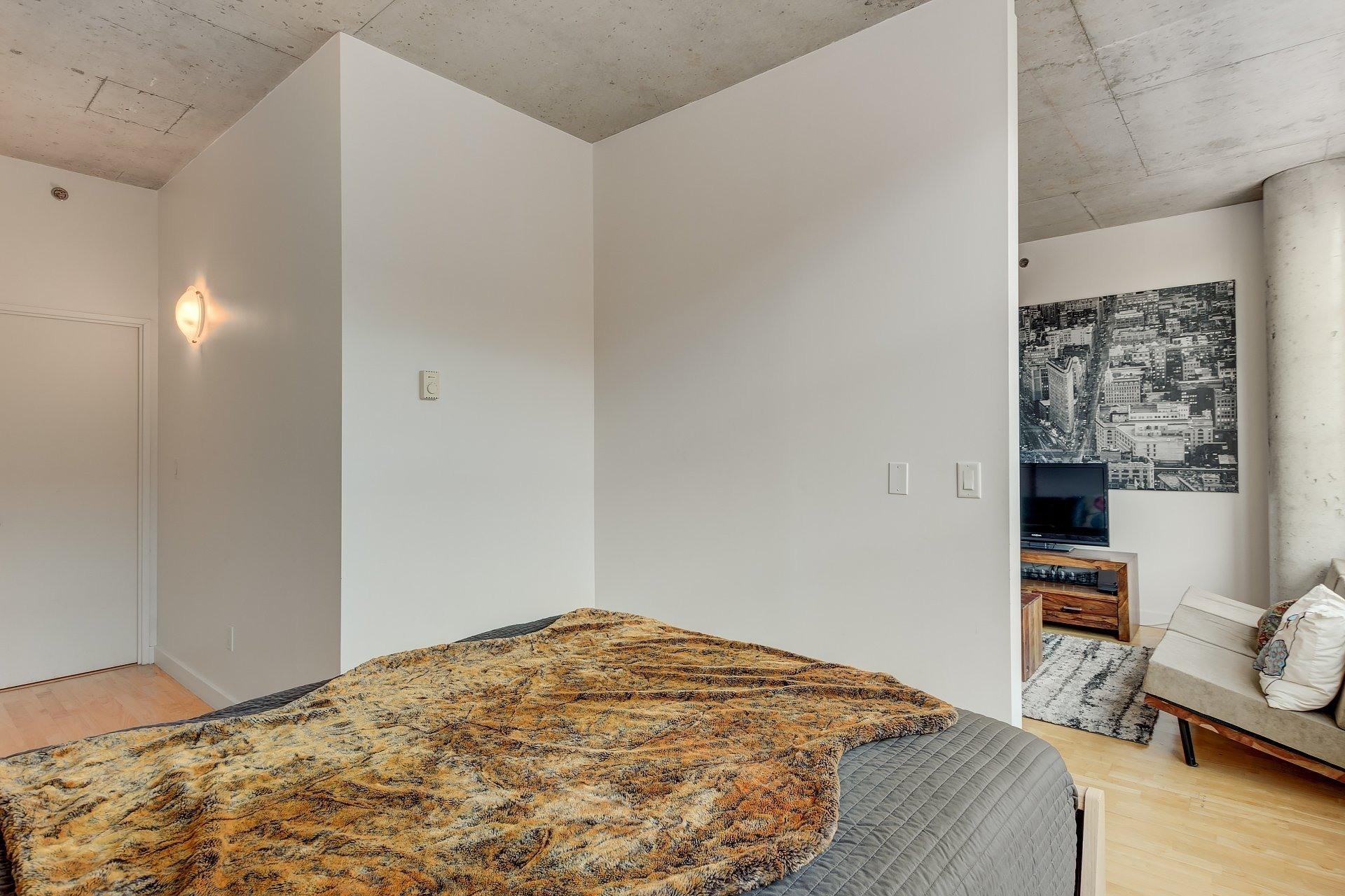 image 13 - Apartment For rent Ville-Marie Montréal  - 3 rooms
