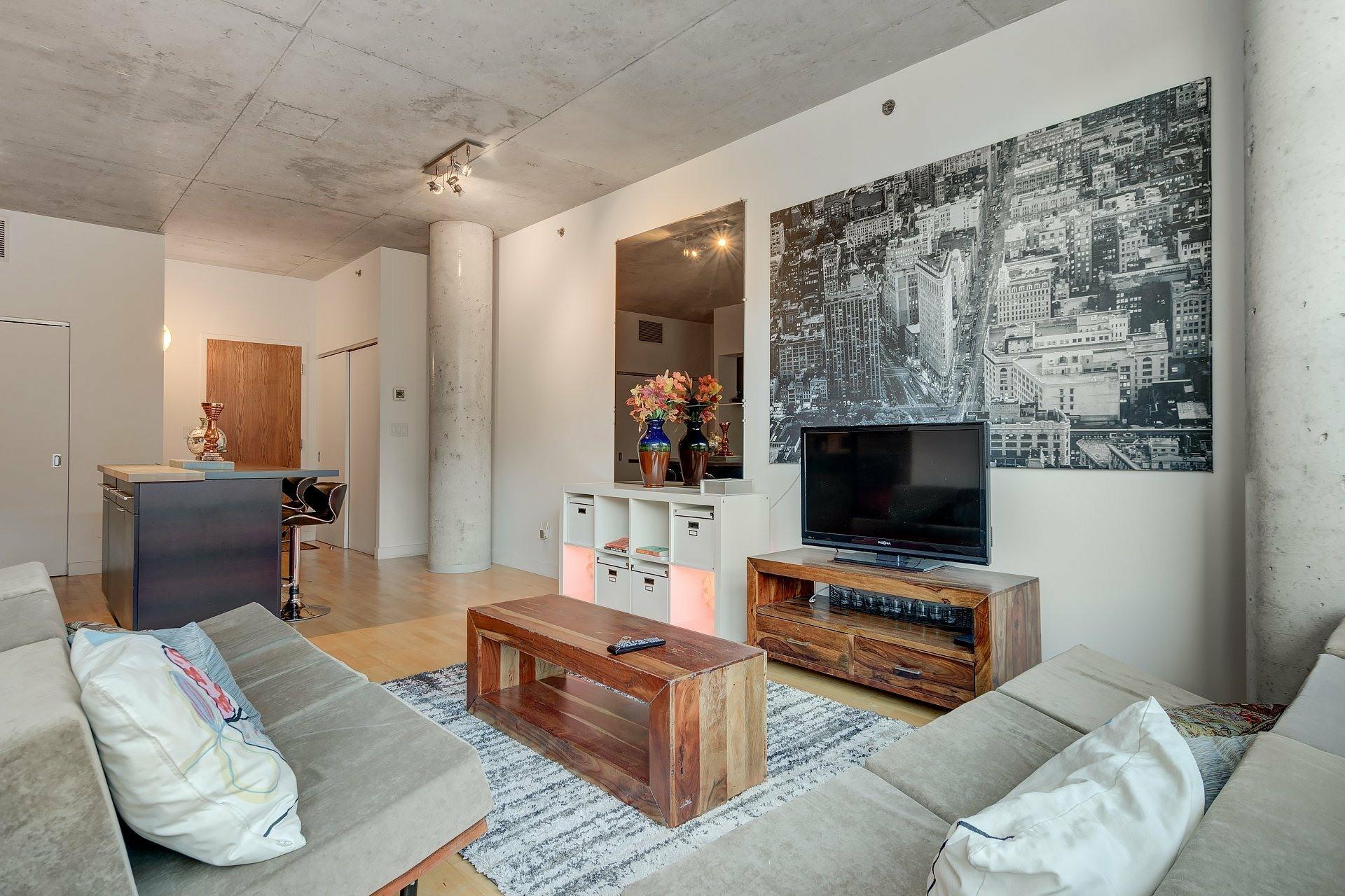 image 1 - Apartment For rent Ville-Marie Montréal  - 3 rooms