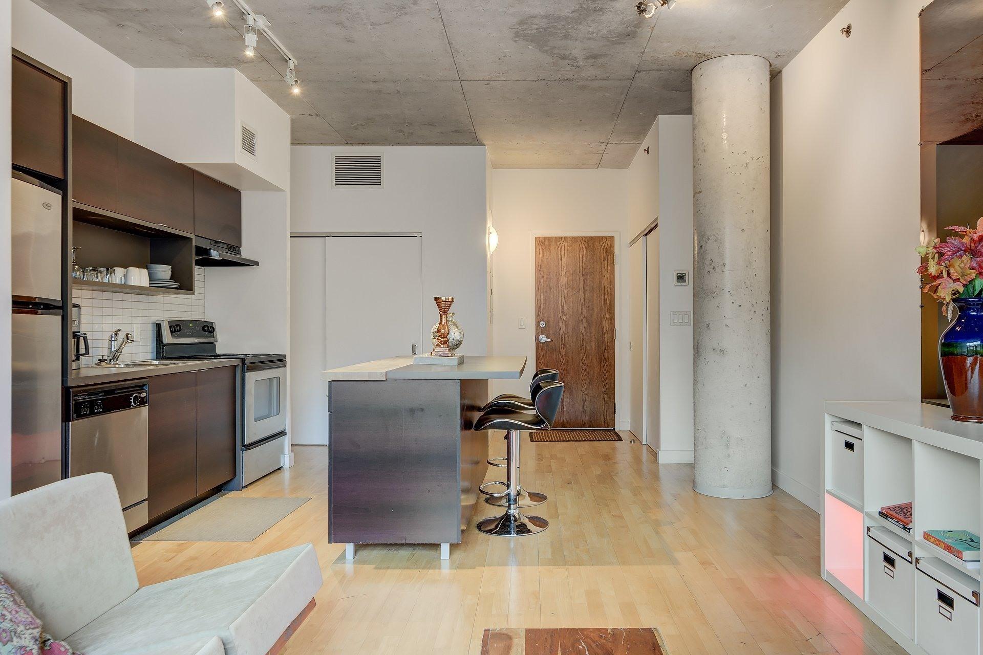 image 6 - Apartment For rent Ville-Marie Montréal  - 3 rooms