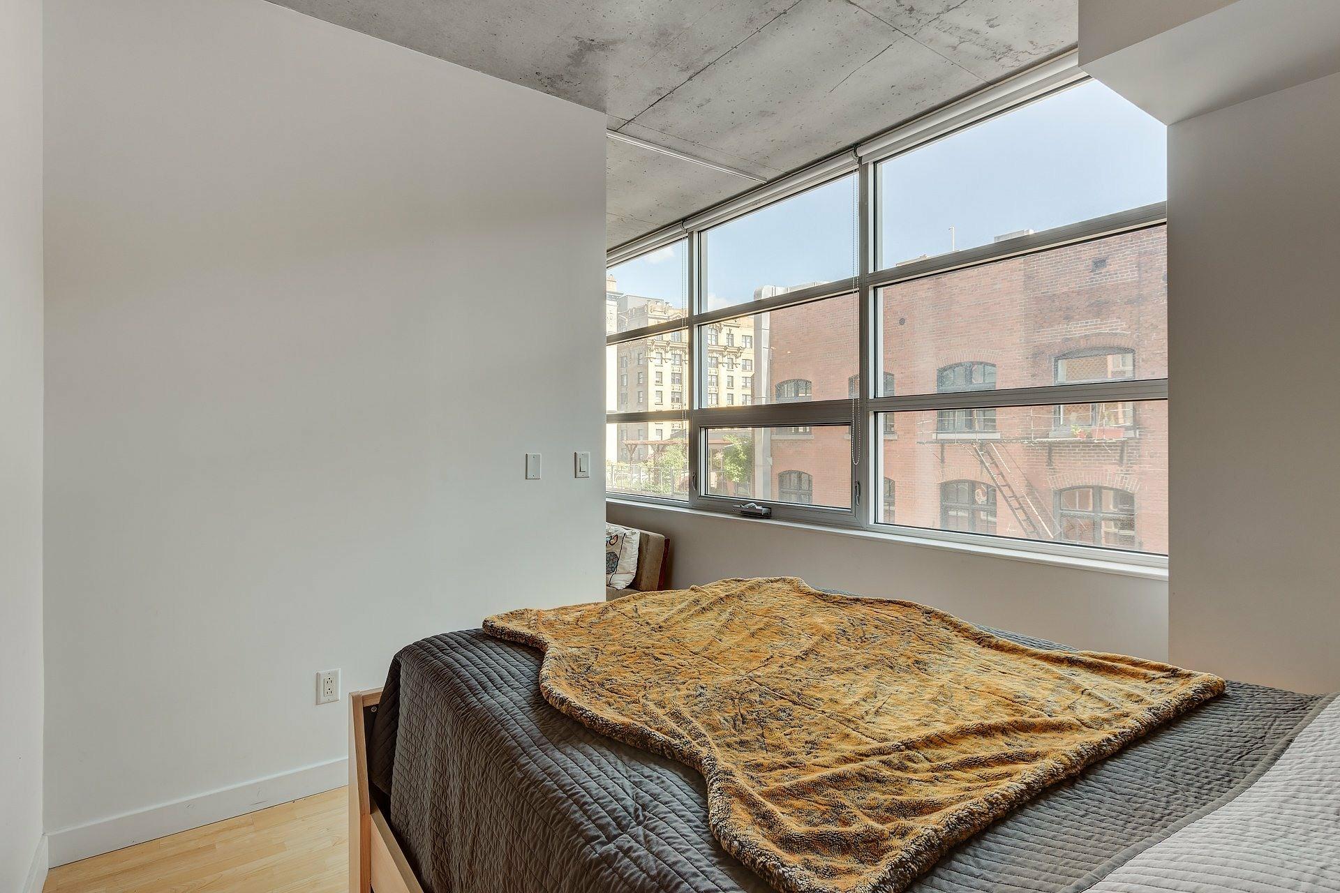 image 10 - Apartment For rent Ville-Marie Montréal  - 3 rooms