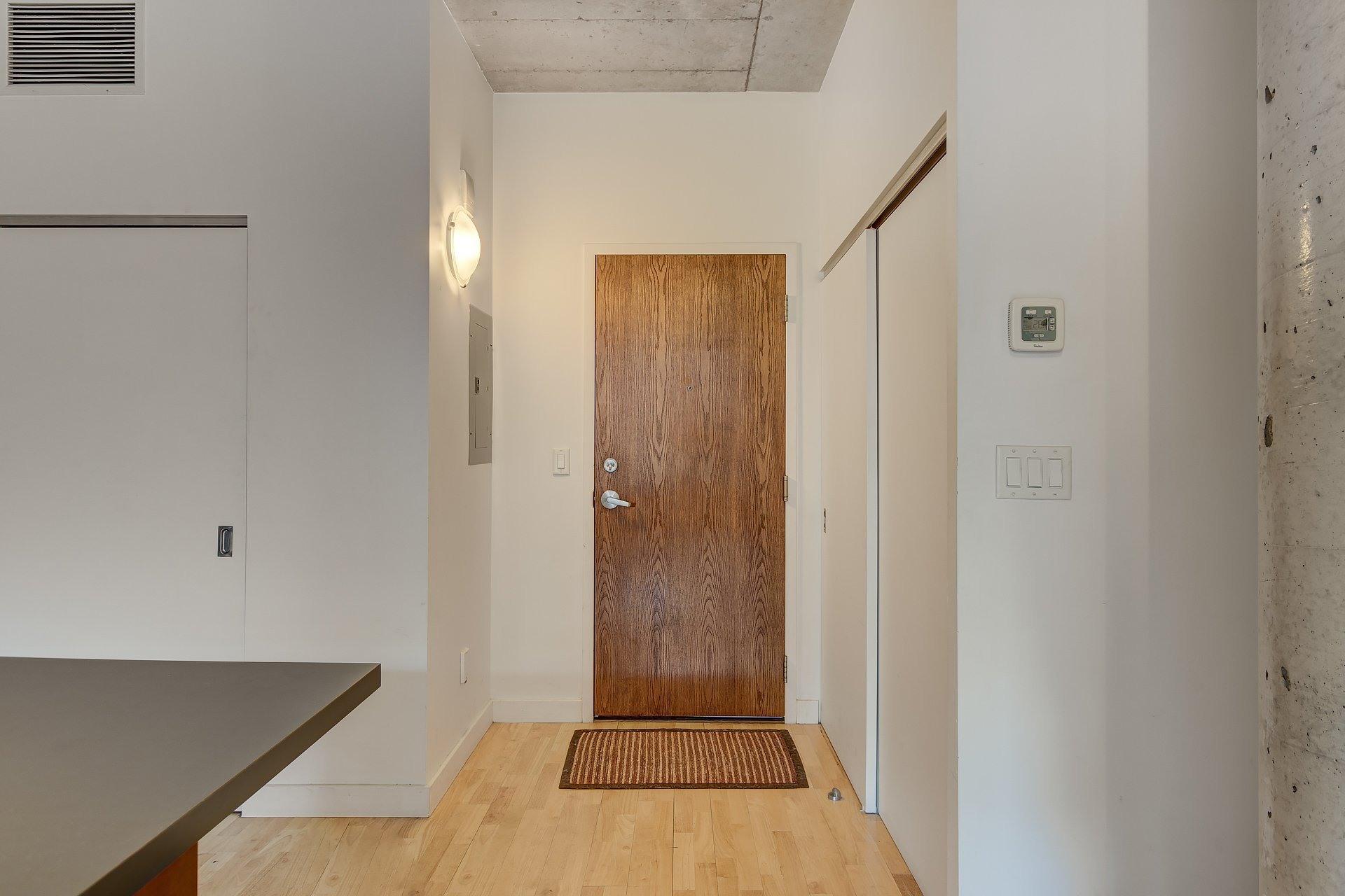 image 17 - Apartment For rent Ville-Marie Montréal  - 3 rooms