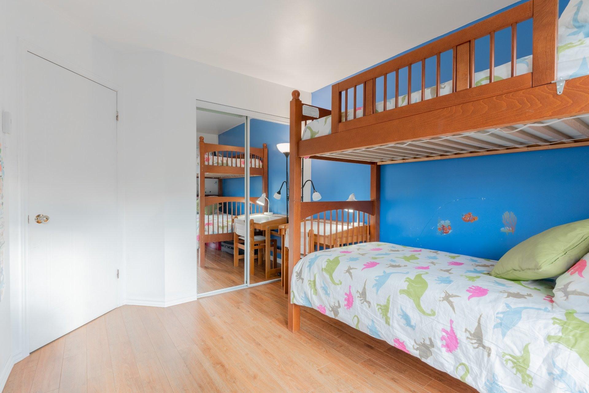 image 10 - Appartement À vendre Saint-Léonard Montréal  - 6 pièces