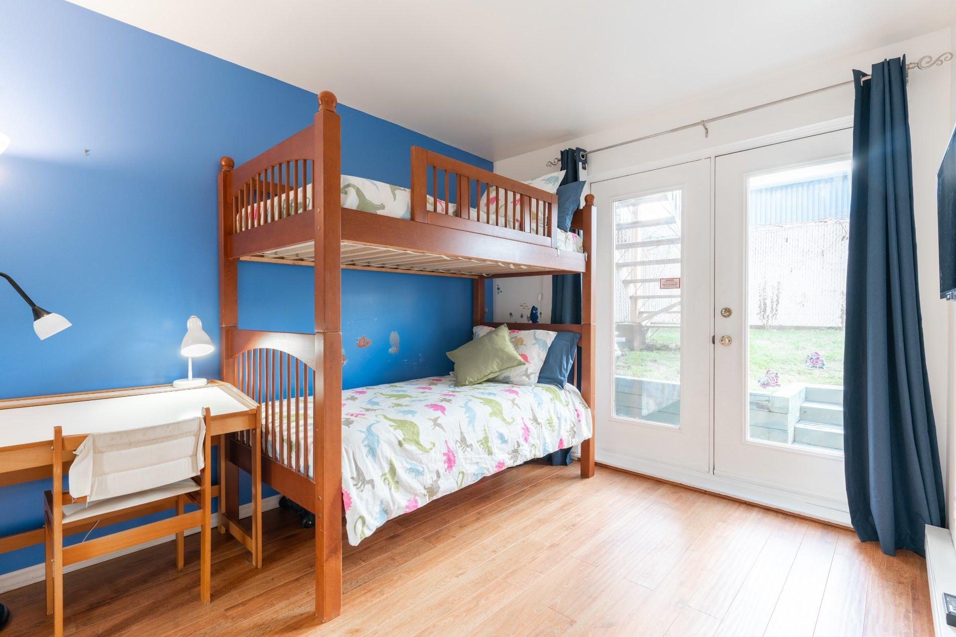 image 9 - Appartement À vendre Saint-Léonard Montréal  - 6 pièces