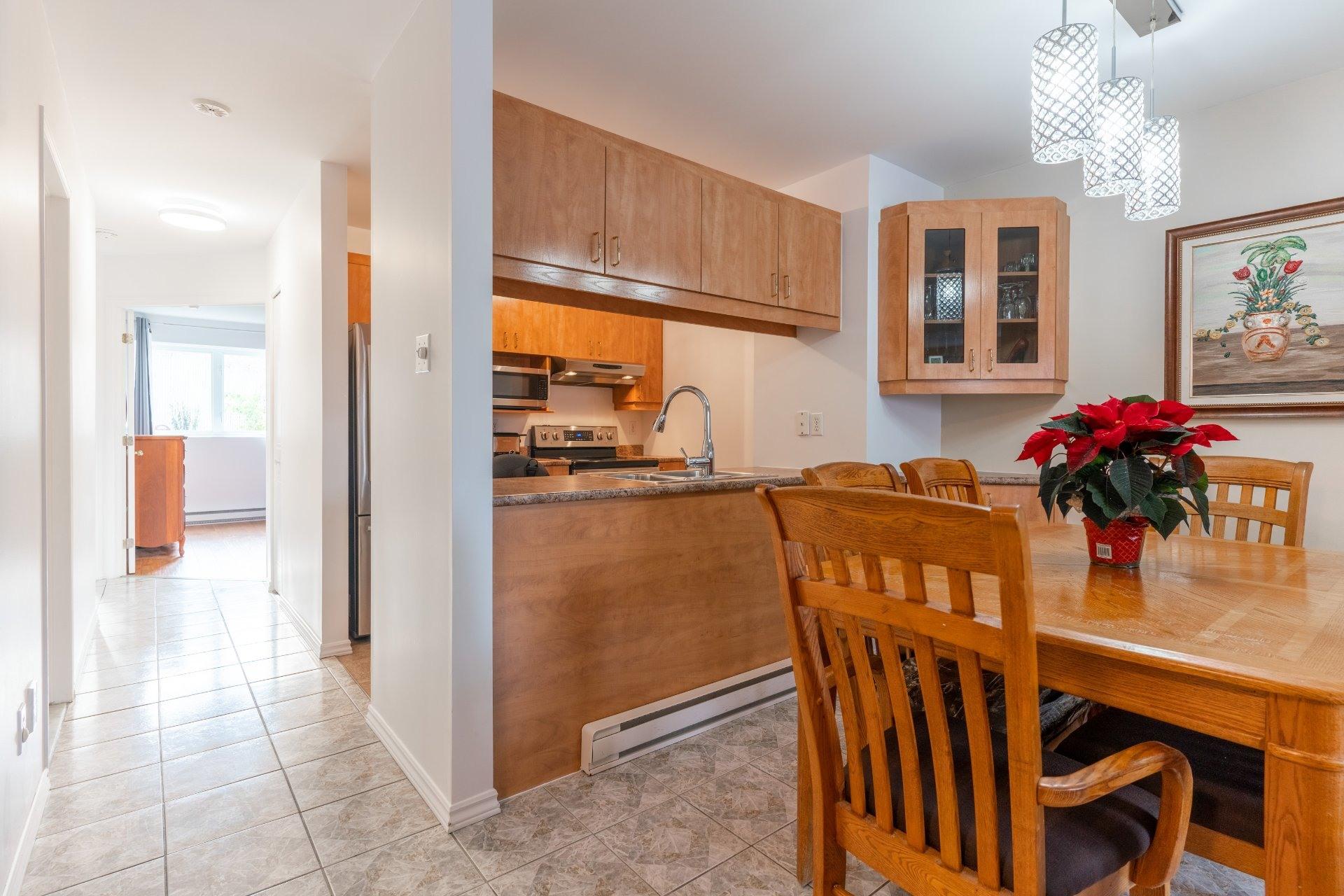 image 14 - Appartement À vendre Saint-Léonard Montréal  - 6 pièces