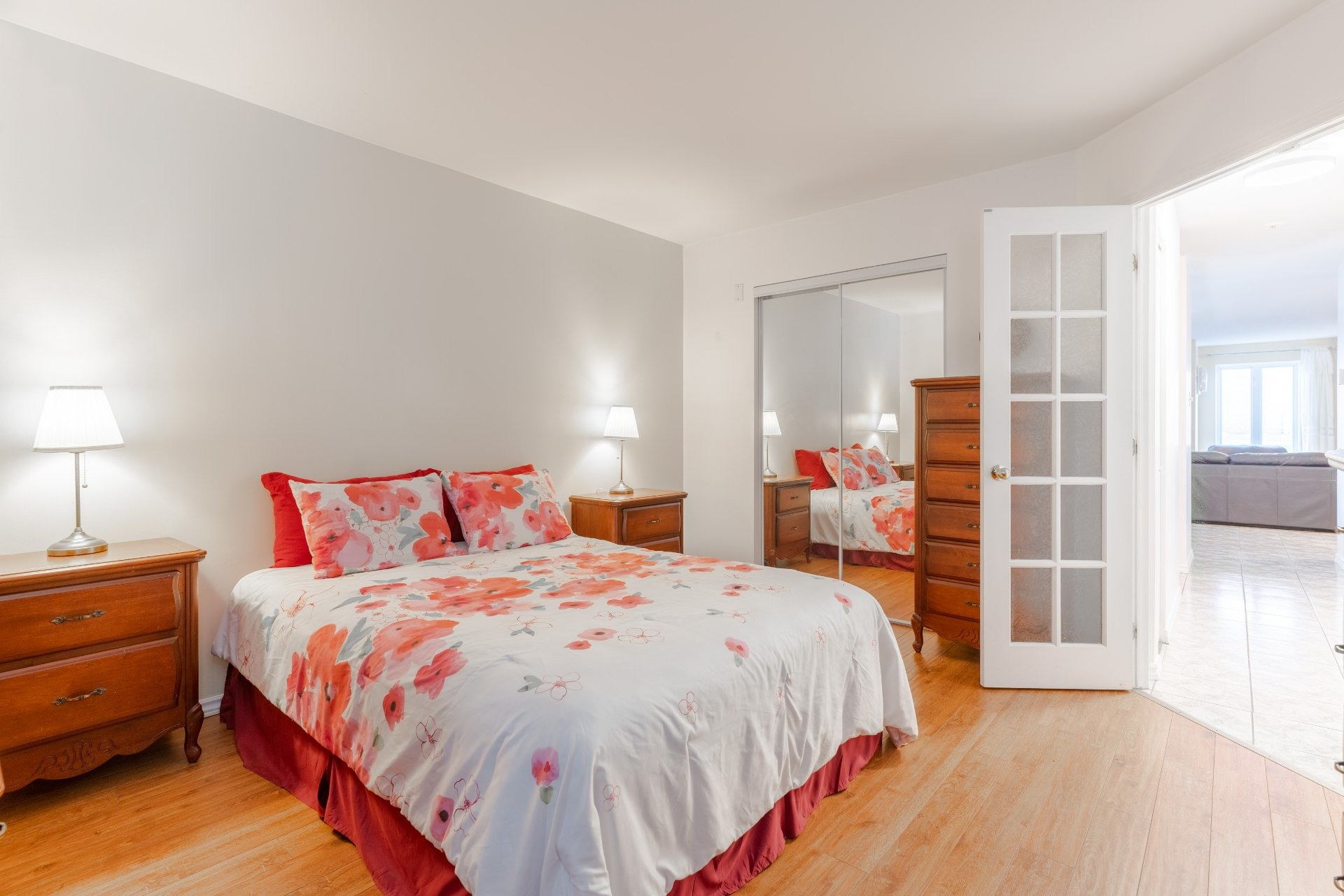 image 12 - Appartement À vendre Saint-Léonard Montréal  - 6 pièces