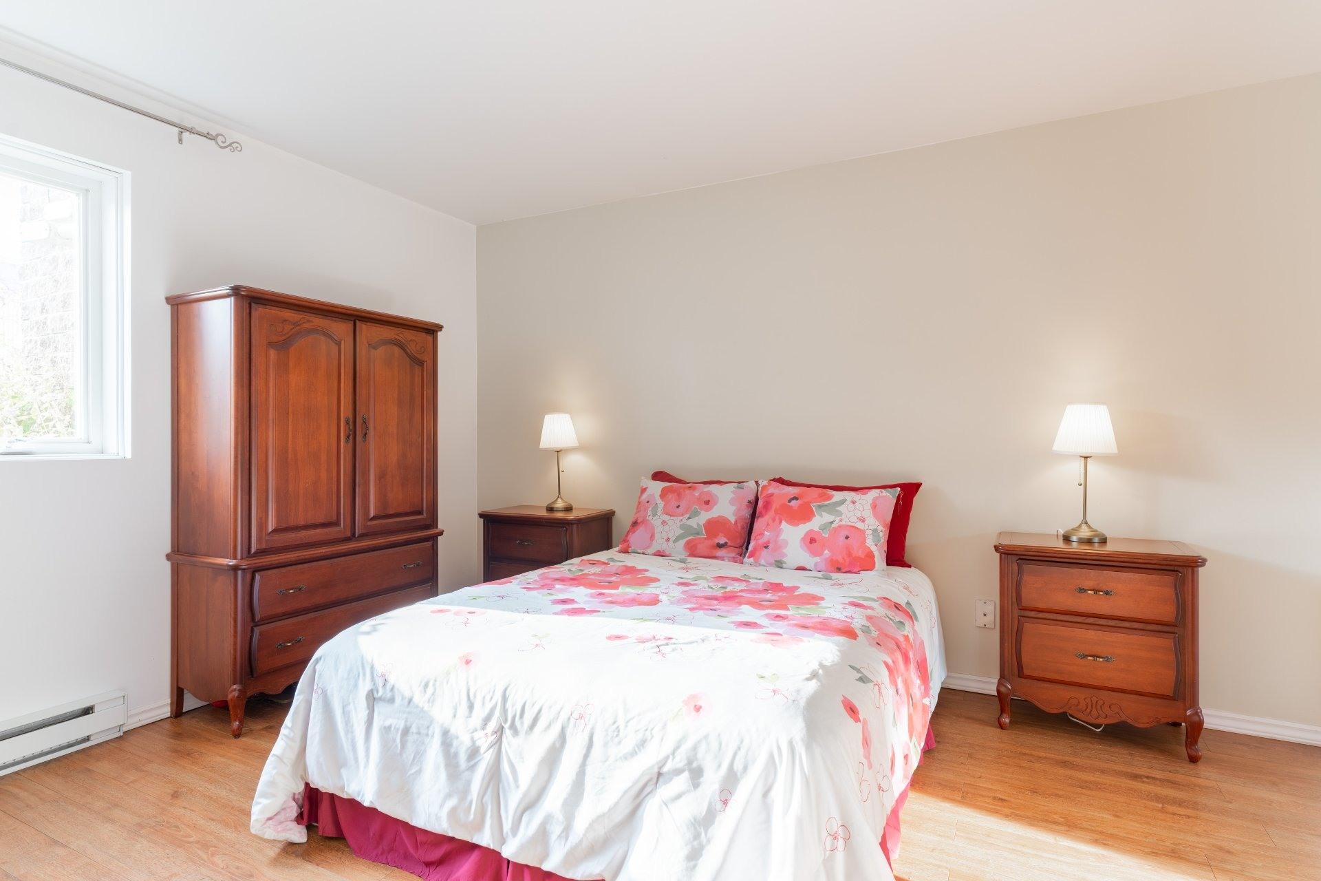image 11 - Appartement À vendre Saint-Léonard Montréal  - 6 pièces