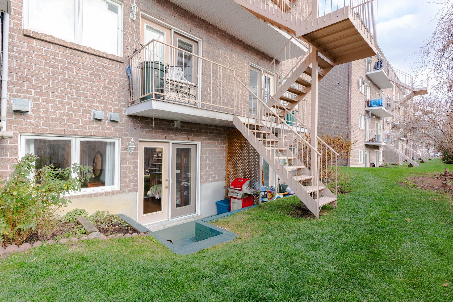 image 17 - Appartement À vendre Saint-Léonard Montréal  - 6 pièces
