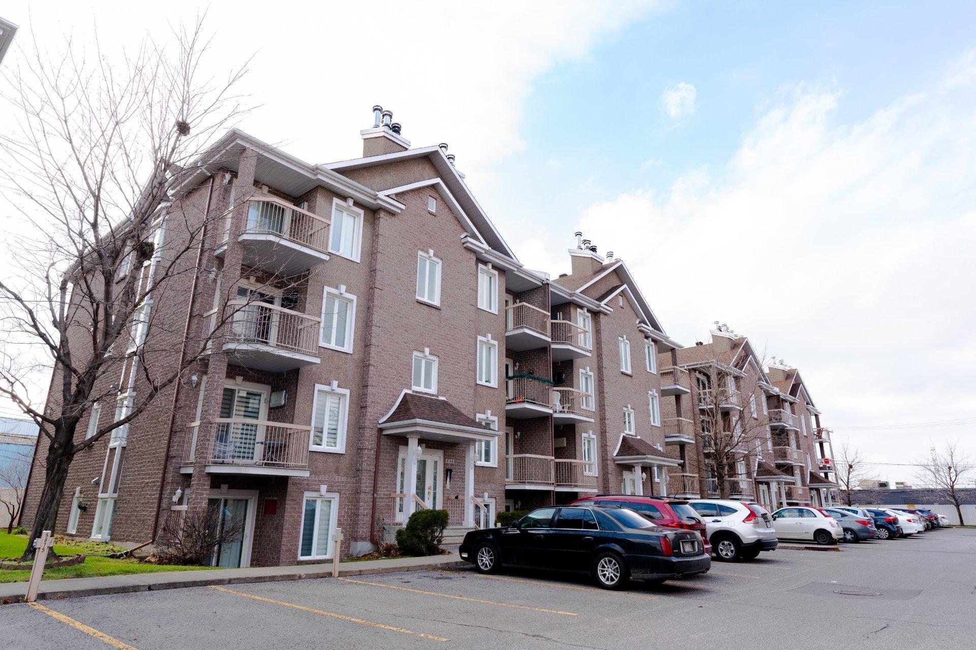image 16 - Appartement À vendre Saint-Léonard Montréal  - 6 pièces