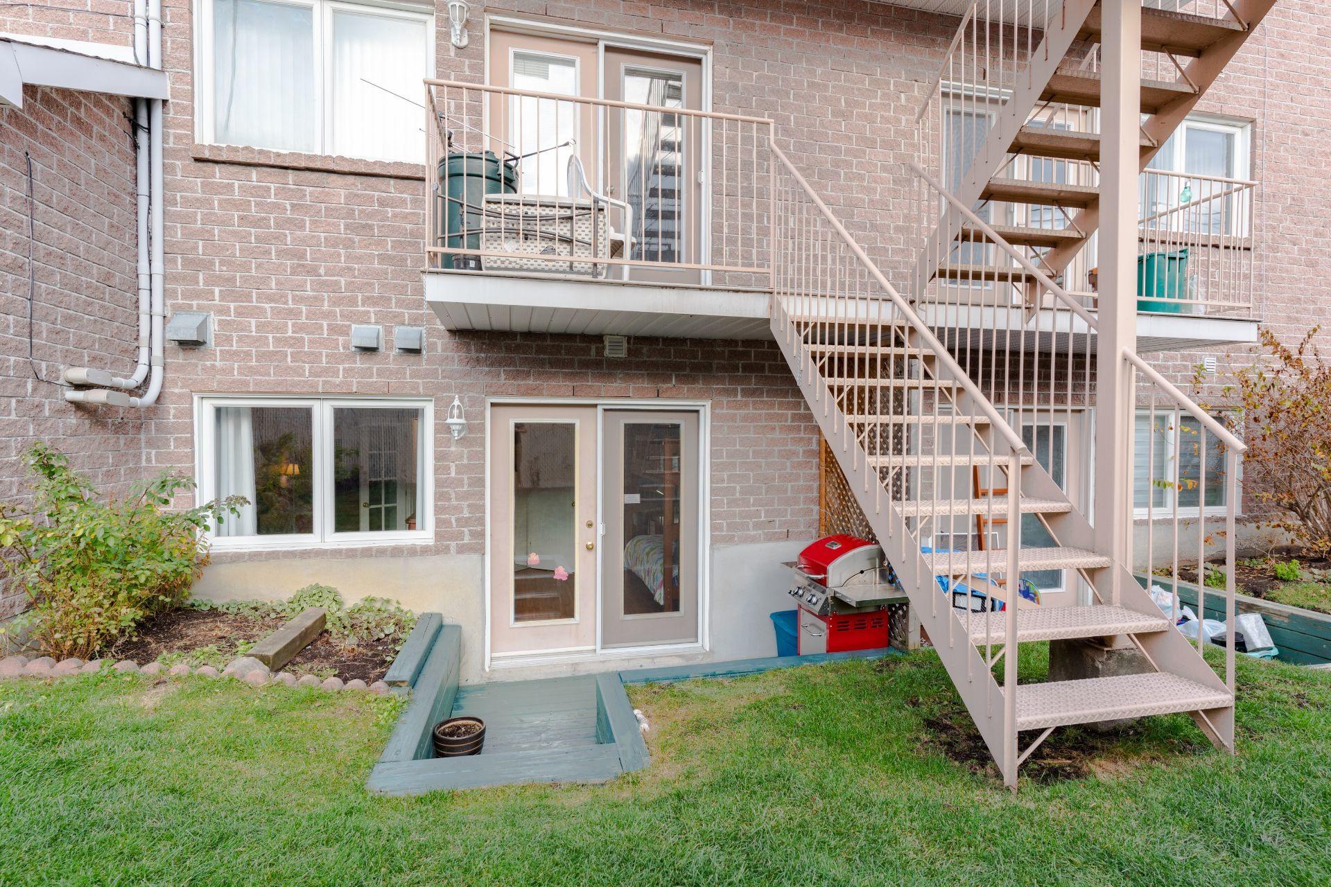 image 18 - Appartement À vendre Saint-Léonard Montréal  - 6 pièces