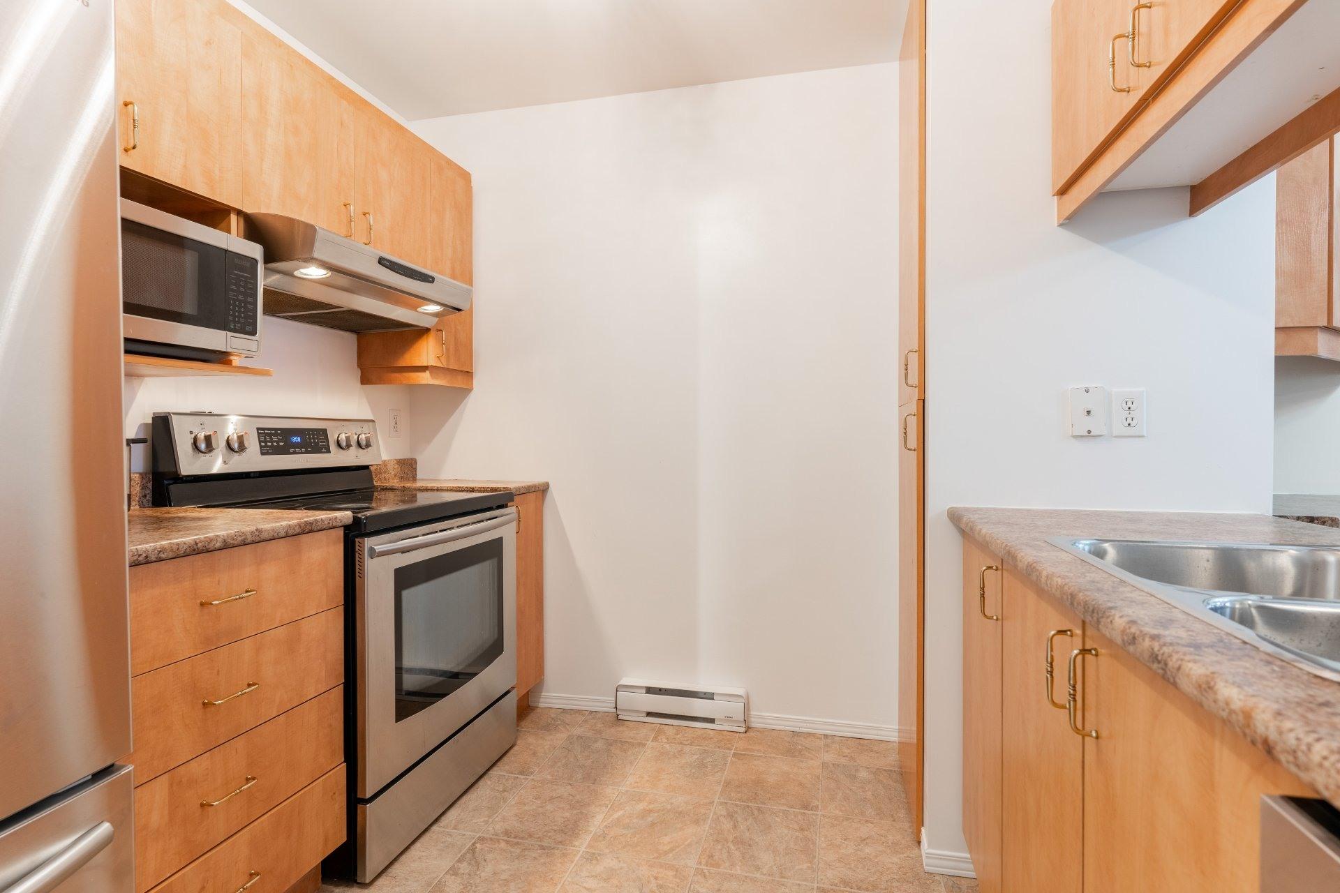 image 5 - Appartement À vendre Saint-Léonard Montréal  - 6 pièces