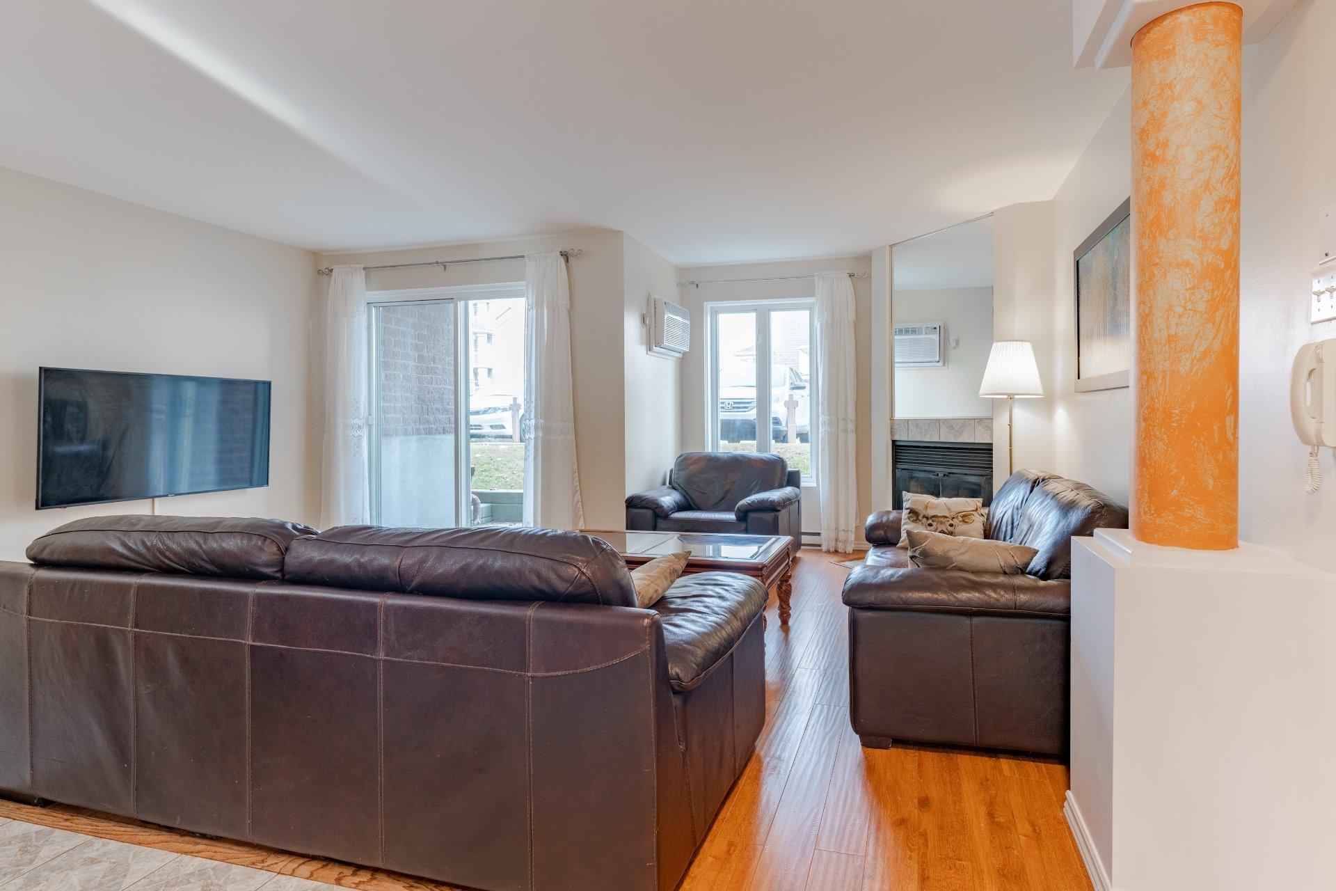 image 1 - Appartement À vendre Saint-Léonard Montréal  - 6 pièces