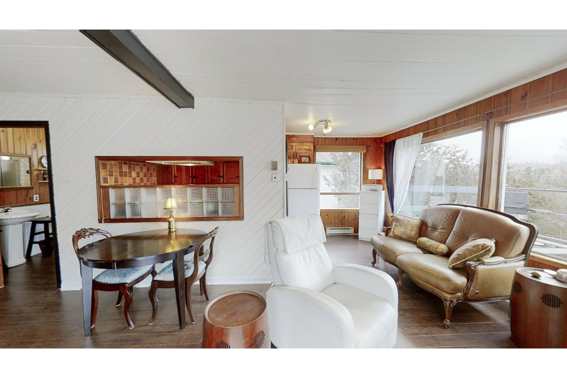 image 1 - House For sale Saint-Calixte - 7 rooms