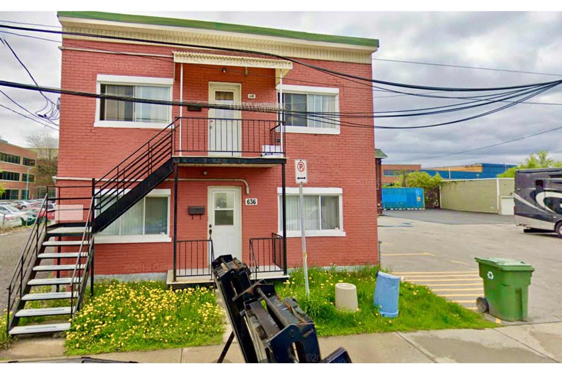image 3 - Triplex For sale Lachine Montréal  - 4 rooms