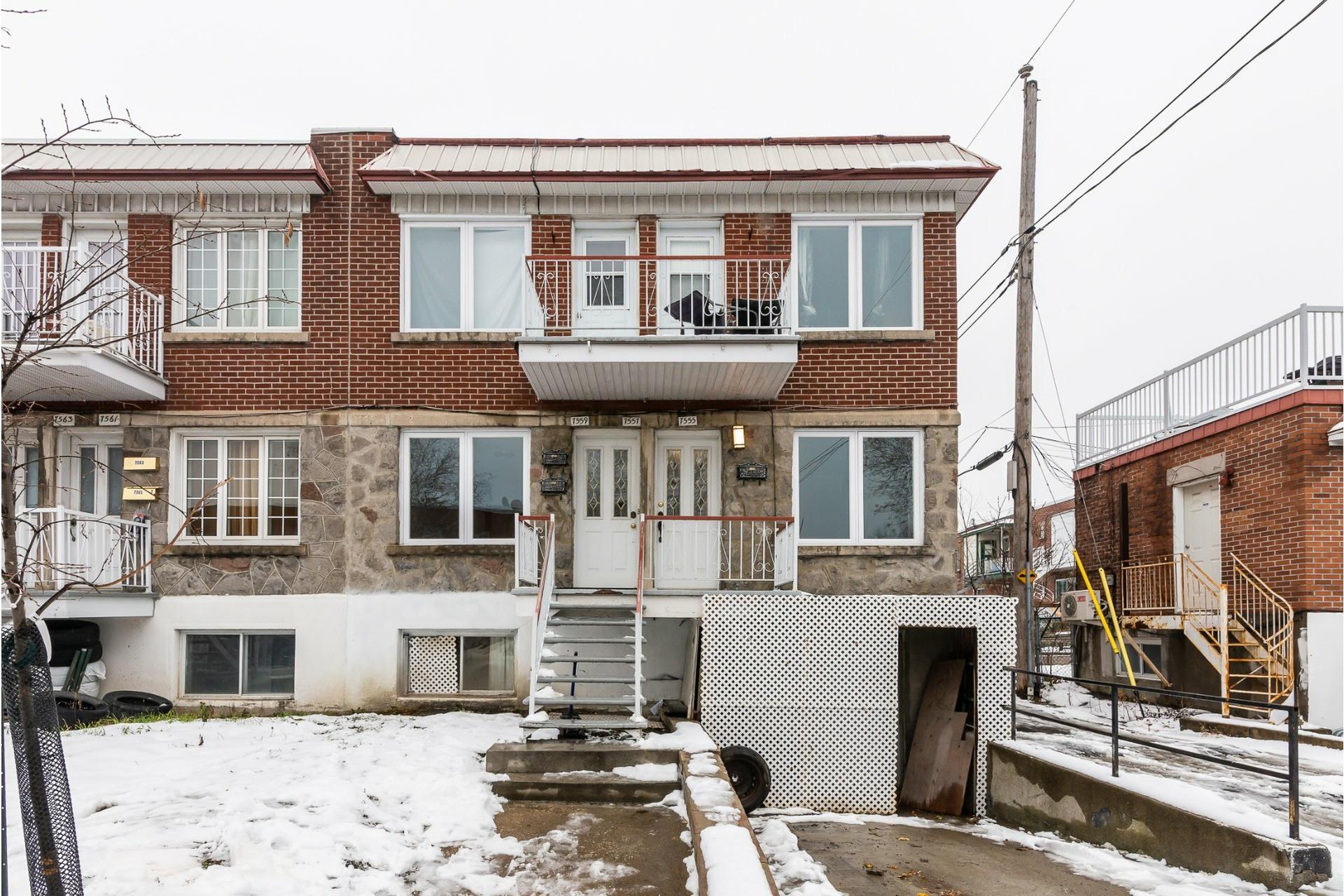 image 0 - Triplex For sale Villeray/Saint-Michel/Parc-Extension Montréal  - 6 rooms