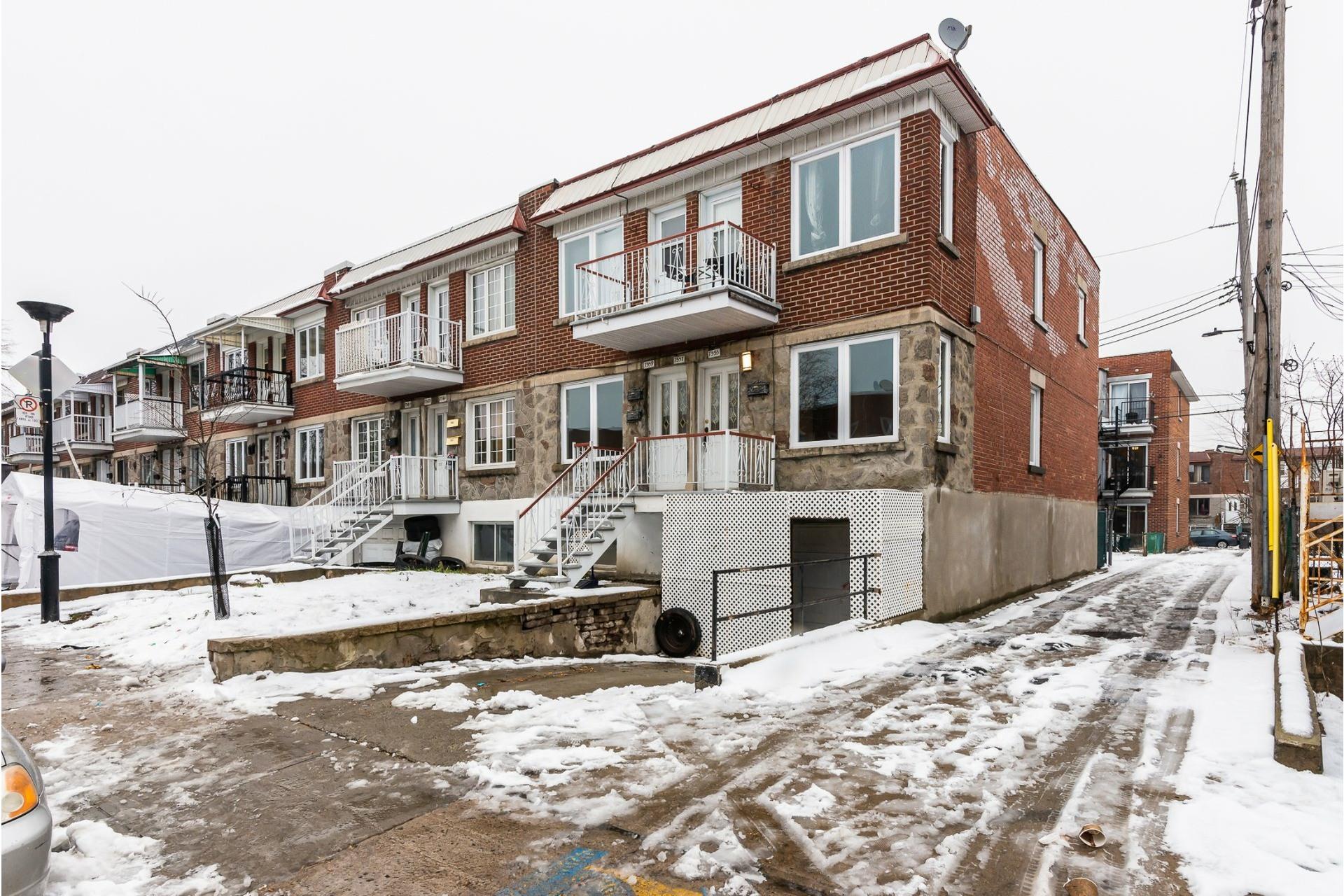 image 1 - Triplex For sale Villeray/Saint-Michel/Parc-Extension Montréal  - 6 rooms