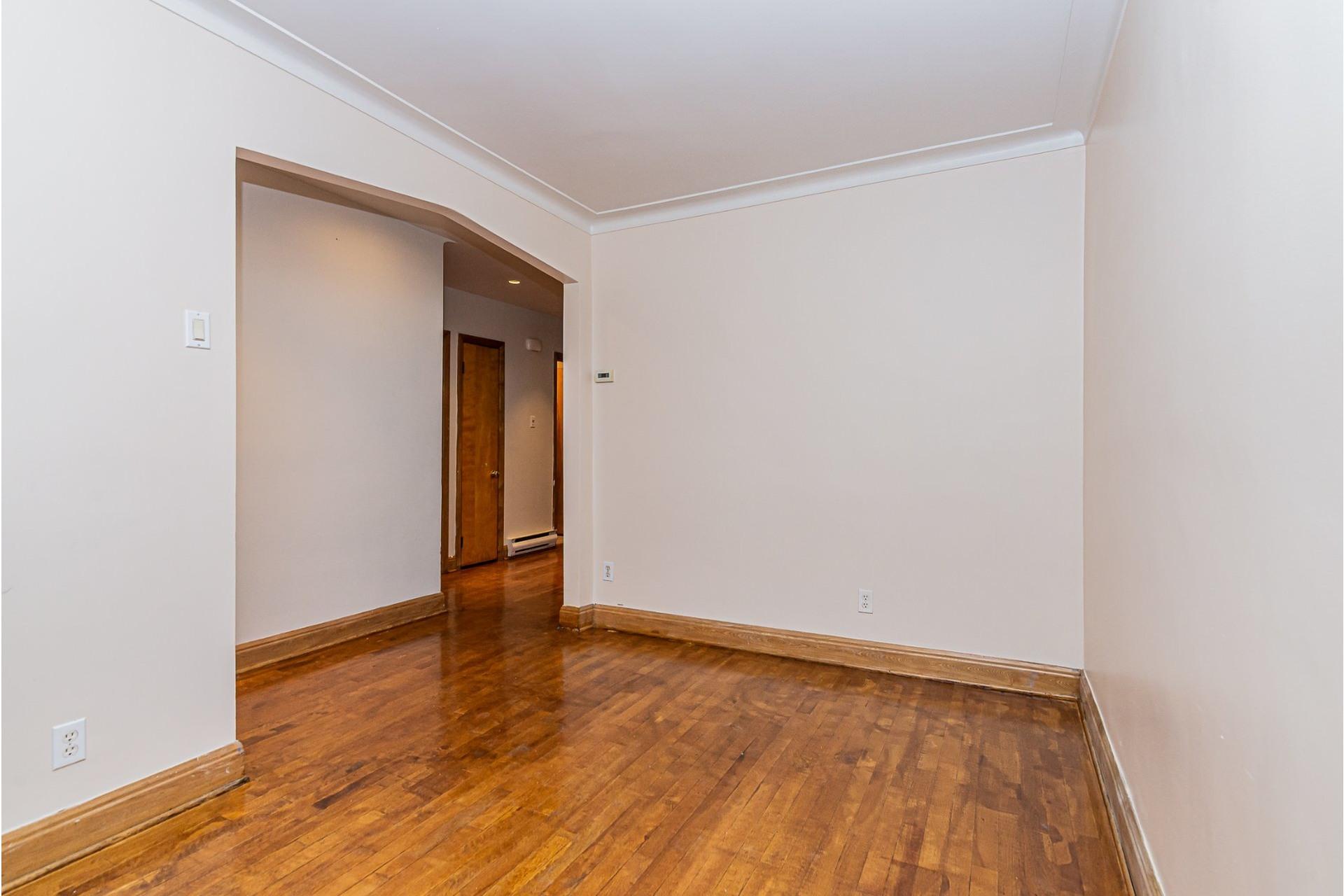 image 5 - Triplex For sale Villeray/Saint-Michel/Parc-Extension Montréal  - 6 rooms