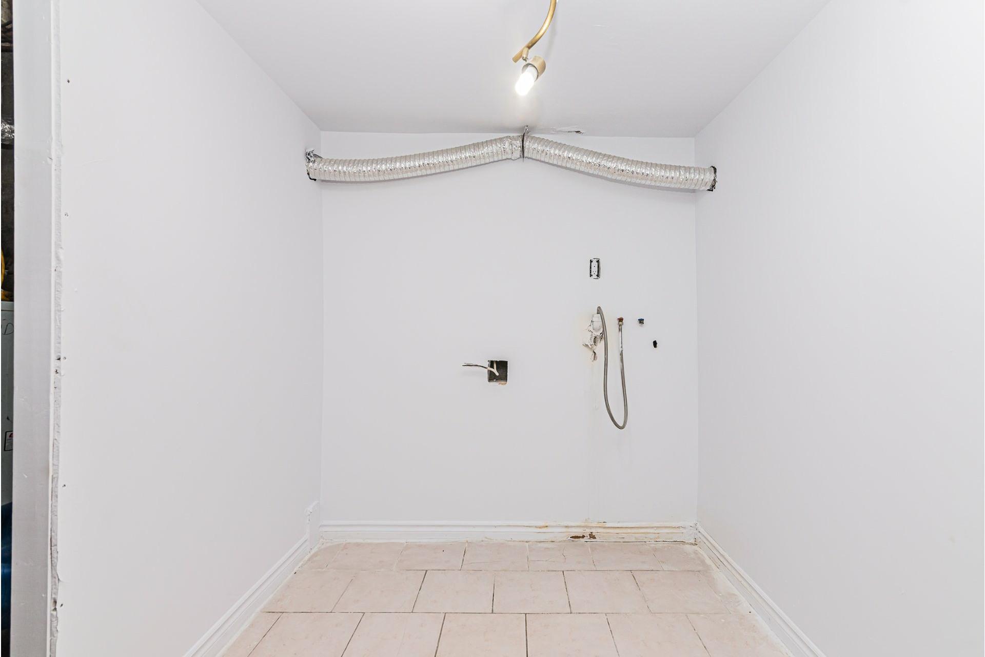 image 19 - Triplex For sale Villeray/Saint-Michel/Parc-Extension Montréal  - 6 rooms