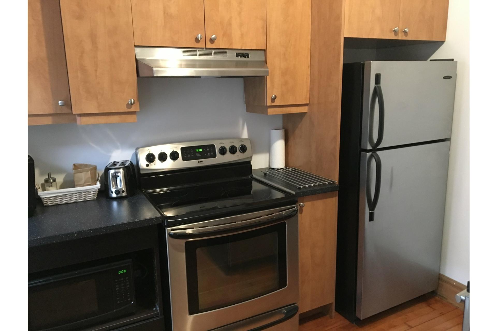image 2 - Apartment For rent Verdun/Île-des-Soeurs Montréal  - 5 rooms