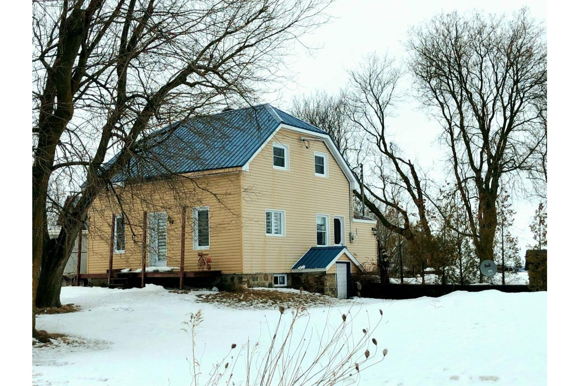 image 1 - Farmhouse For sale Notre-Dame-du-Bon-Conseil - Paroisse - 5 rooms