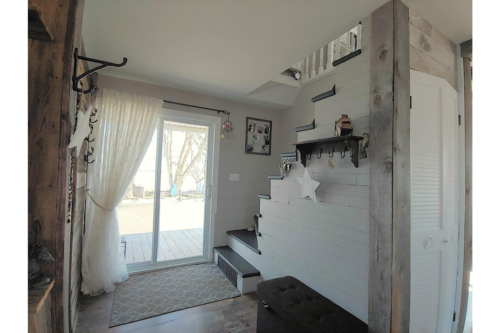 image 2 - Farmhouse For sale Notre-Dame-du-Bon-Conseil - Paroisse - 5 rooms
