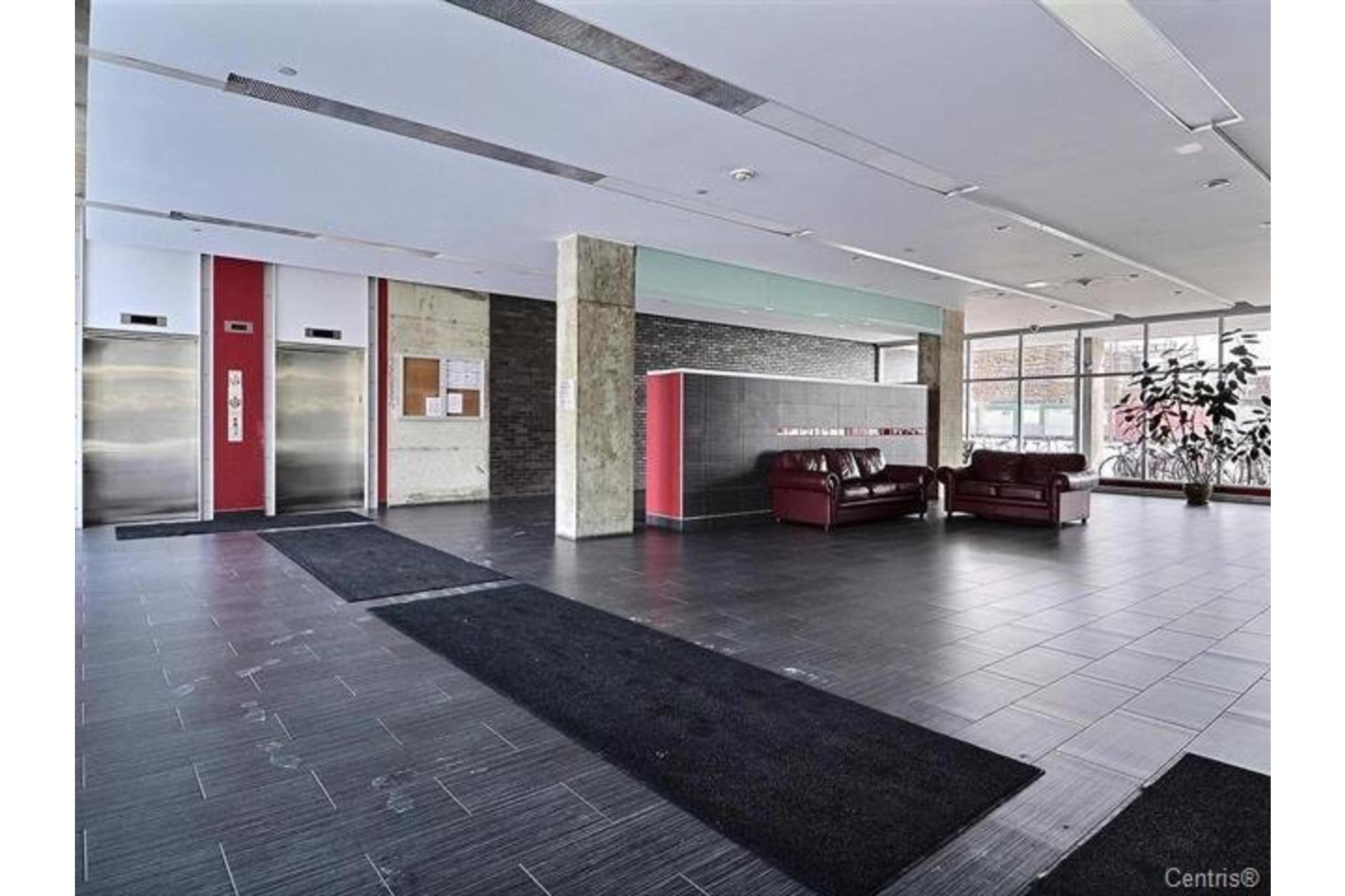 image 17 - Appartement À louer Saint-Léonard Montréal  - 6 pièces