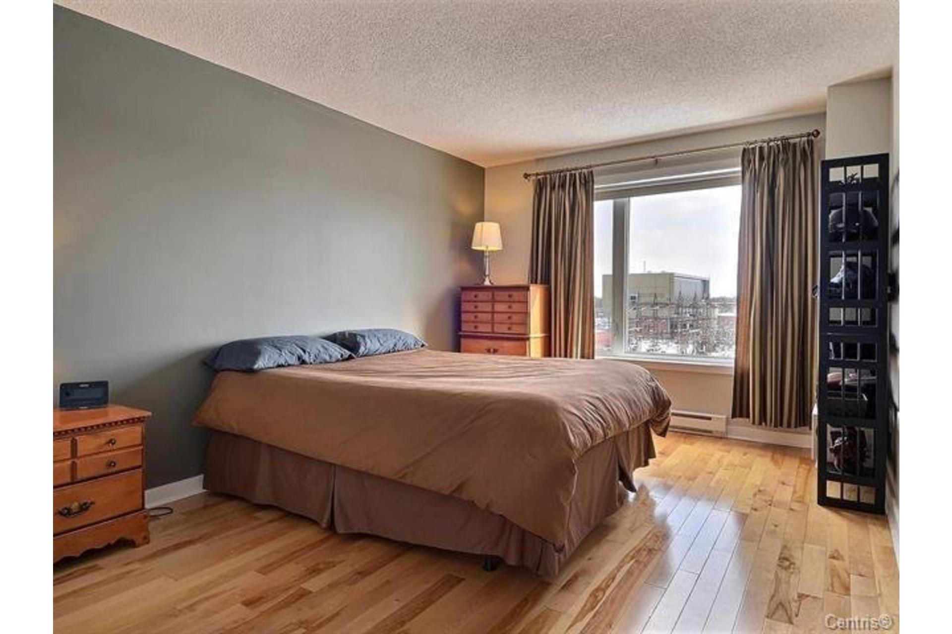 image 11 - Appartement À louer Saint-Léonard Montréal  - 6 pièces