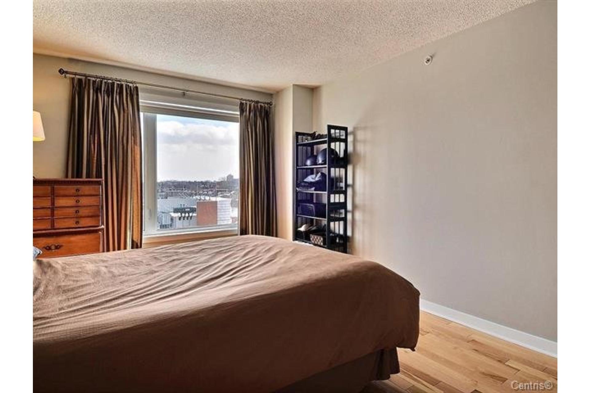 image 12 - Appartement À louer Saint-Léonard Montréal  - 6 pièces