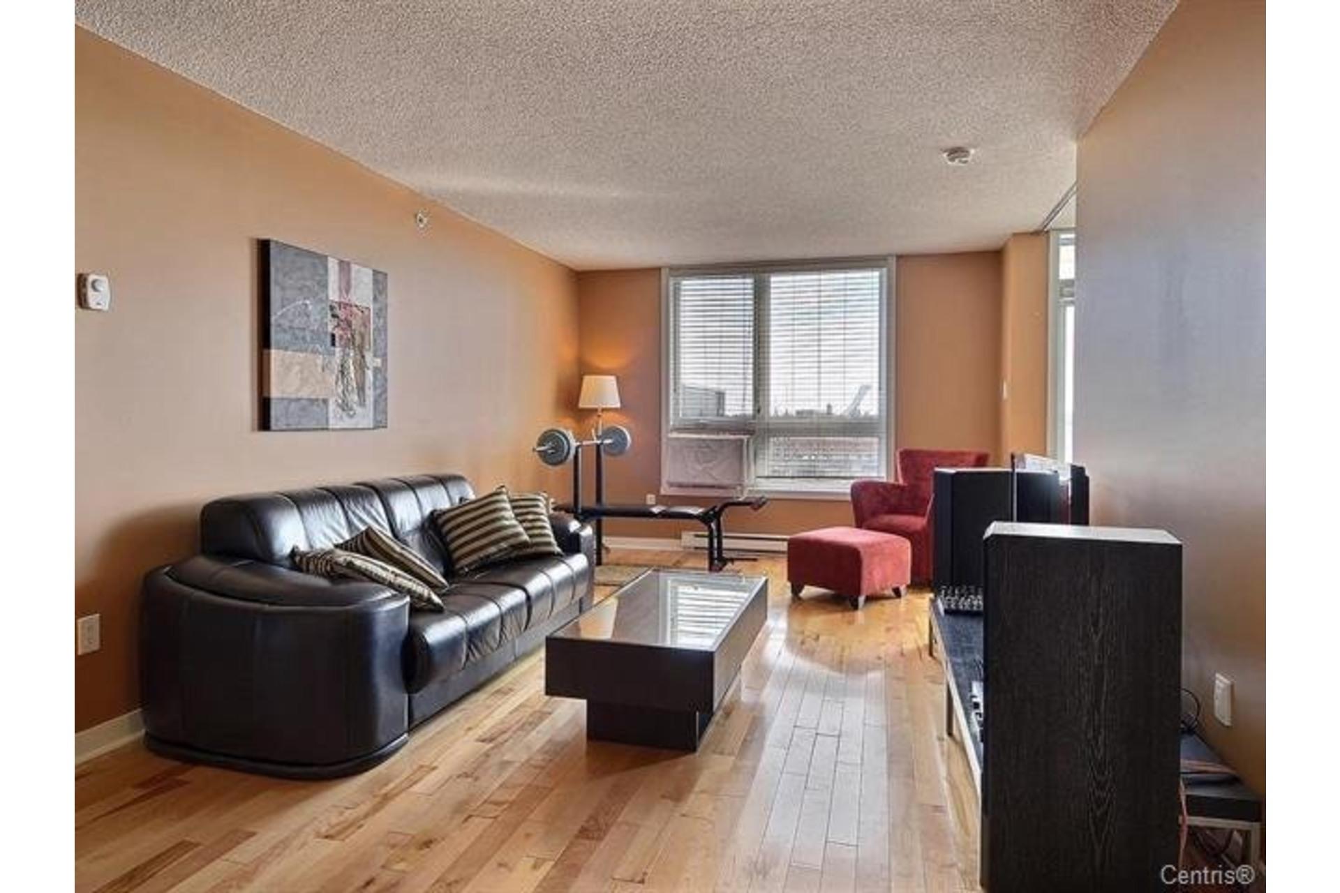 image 3 - Appartement À louer Saint-Léonard Montréal  - 6 pièces
