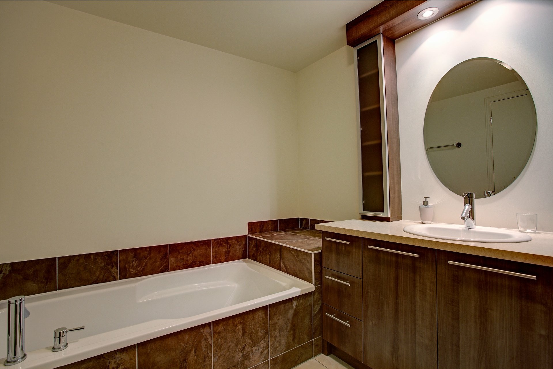image 11 - Appartement À louer Laval-des-Rapides Laval  - 7 pièces