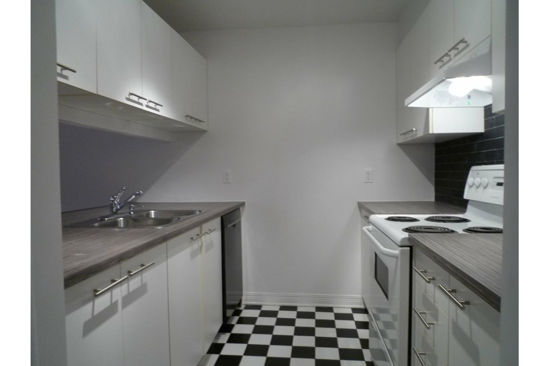image 8 - Appartement À louer Le Plateau-Mont-Royal Montréal  - 6 pièces
