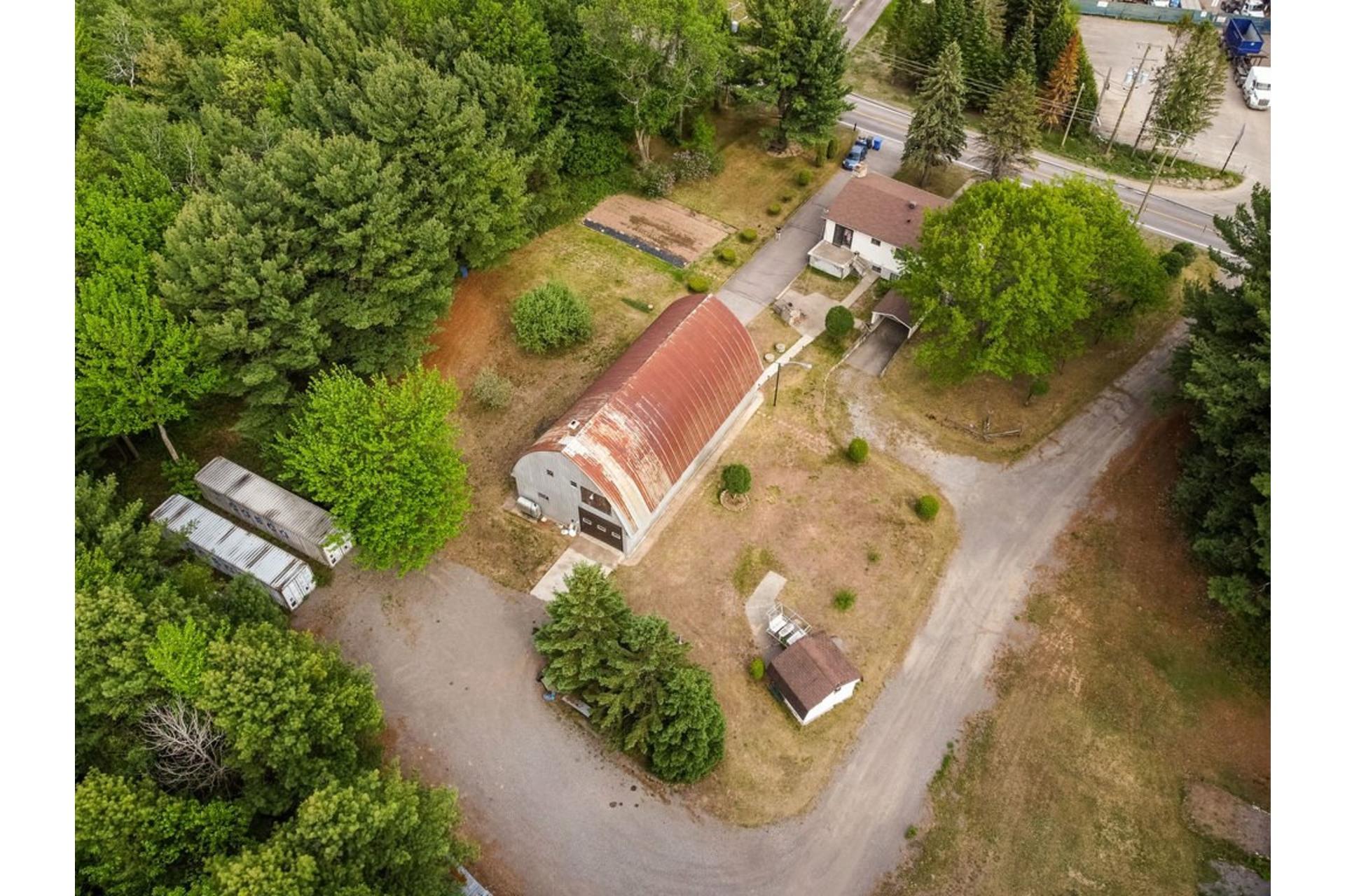 image 5 - Maison À vendre Sainte-Anne-des-Plaines - 7 pièces