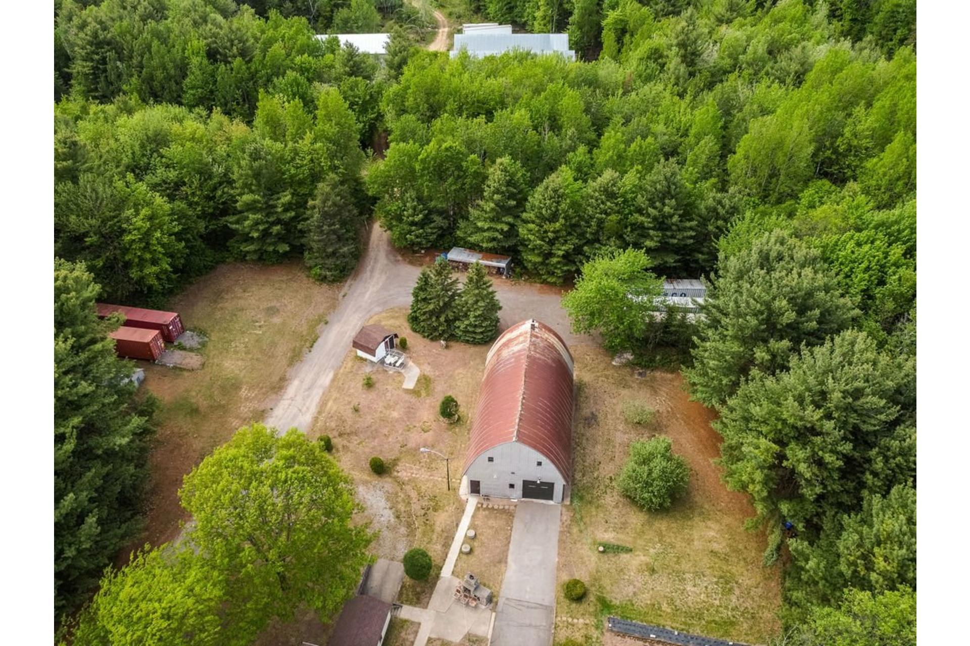 image 6 - Maison À vendre Sainte-Anne-des-Plaines - 7 pièces