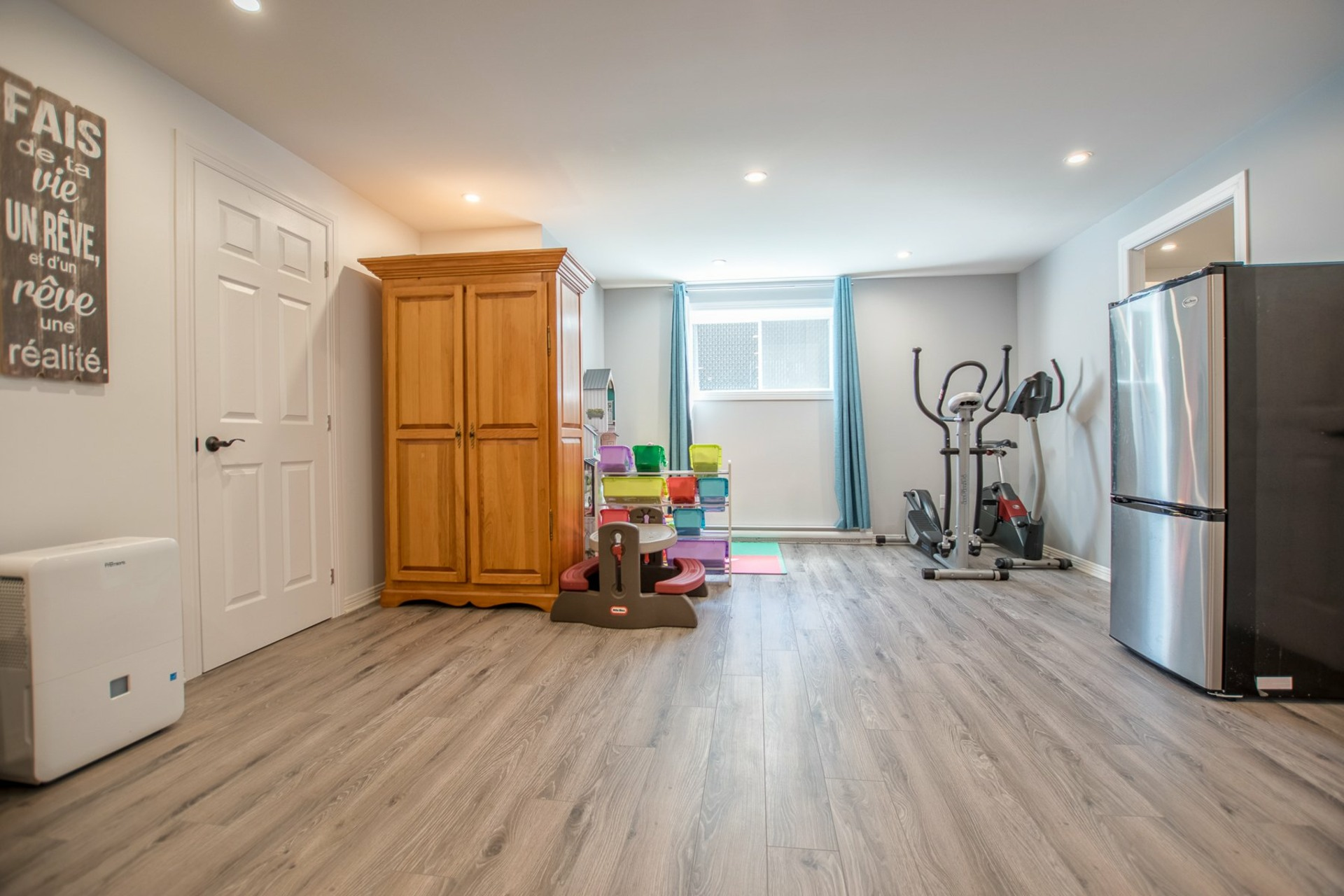 image 17 - House For sale Beauharnois - 8 rooms