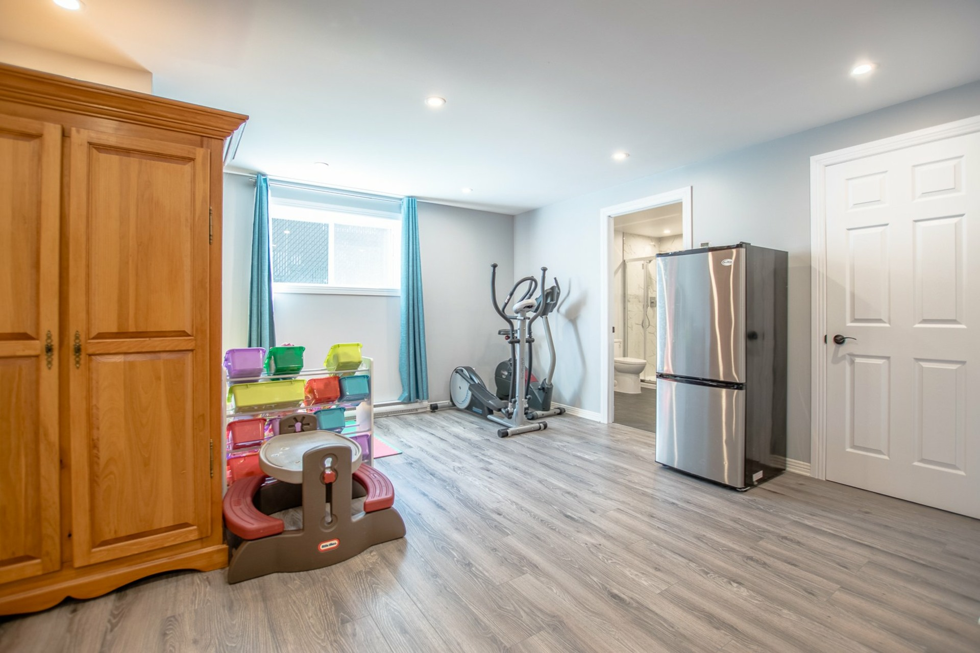 image 18 - House For sale Beauharnois - 8 rooms